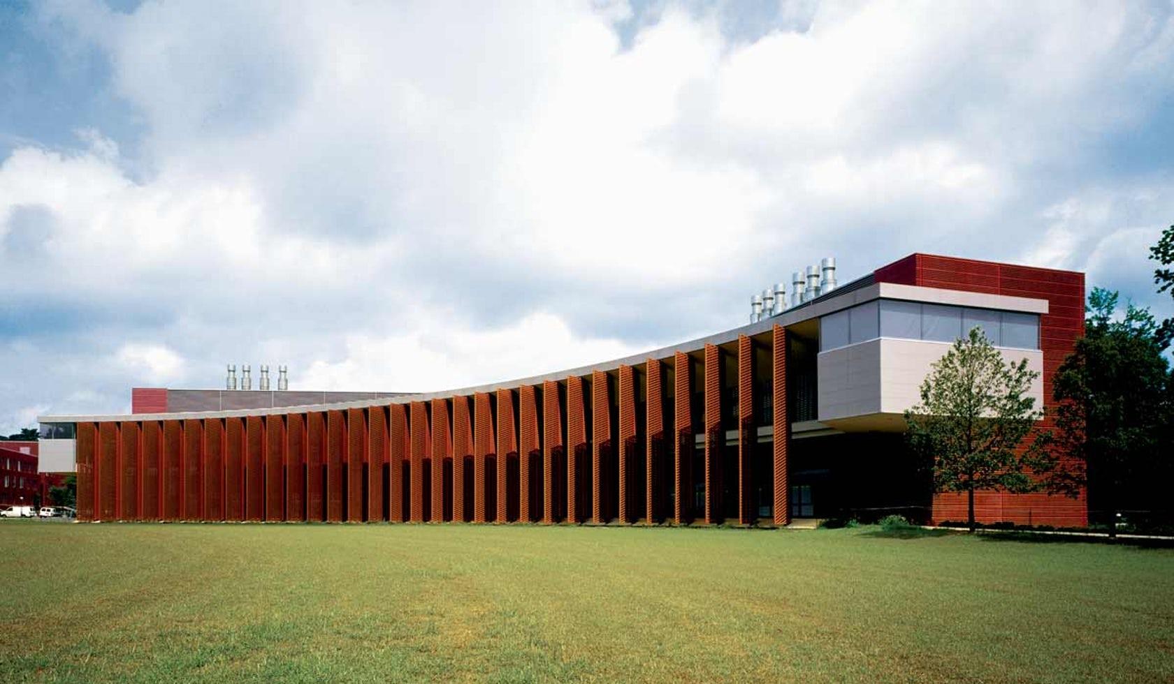Image of Icahn Laboratory courtesy of Rafael Viñoly Architects.