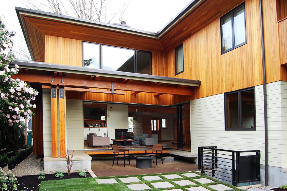 Dominic House / Patio