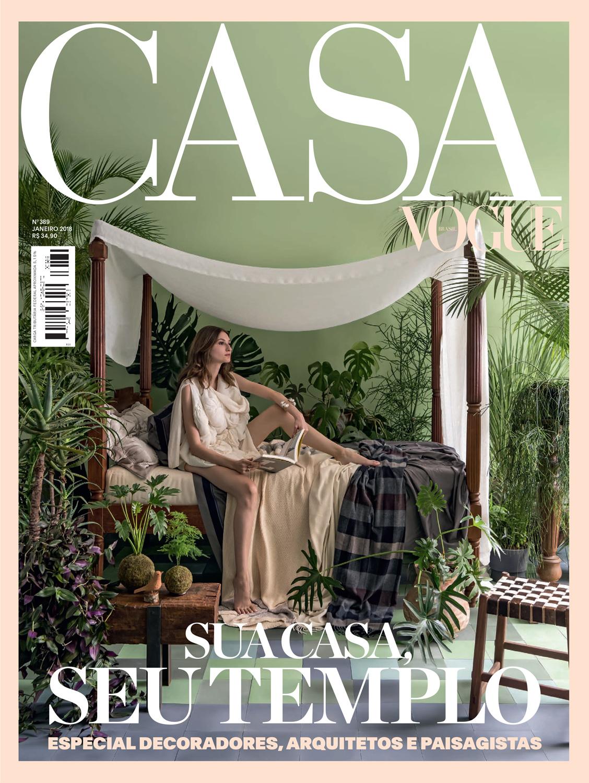 CASA.-VOGUE-JAN-2018-COVER-web.jpg