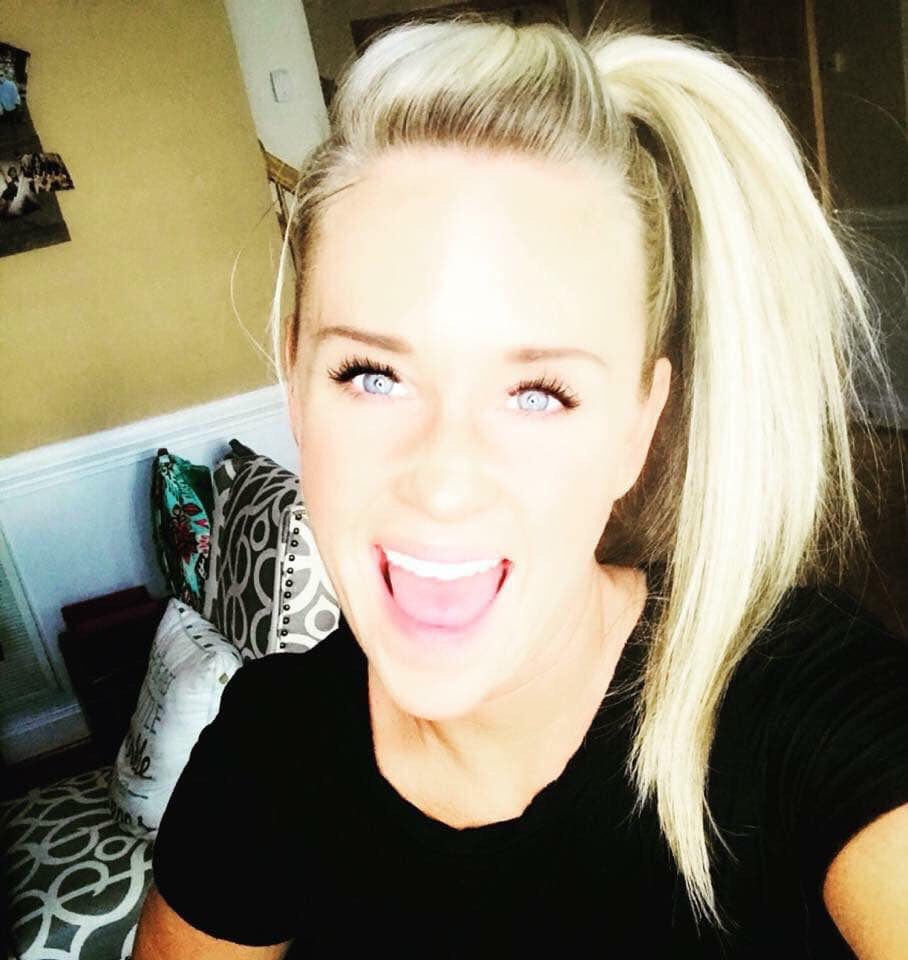 Meet Stacy - I'm Stacy Worczak, your WEIGHT LOSS COFFEE GIRL! I'm a wife and mom of 3 and life is often cray-cray! Can I get an amen? I'm excited to share my MAGIC COFFEE with you. It's helped me lose 11 pounds {and counting}. I have amazing energy {all day}, it helps with sugar cravings, gives me better focus and clarity, PLUS, it helps relieve anxiety & stress.See my before and after photos