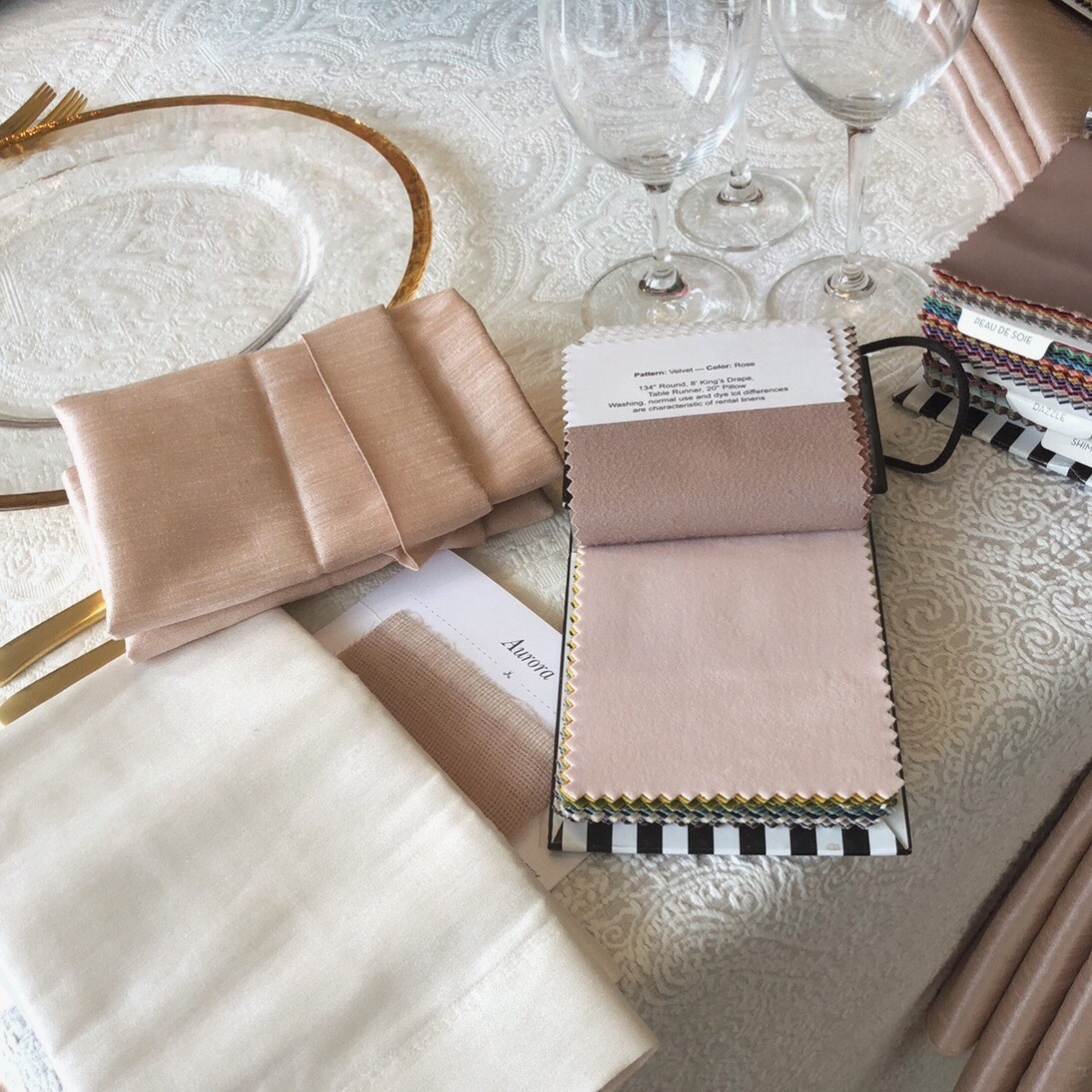 Linens+and+Napkins+.jpg