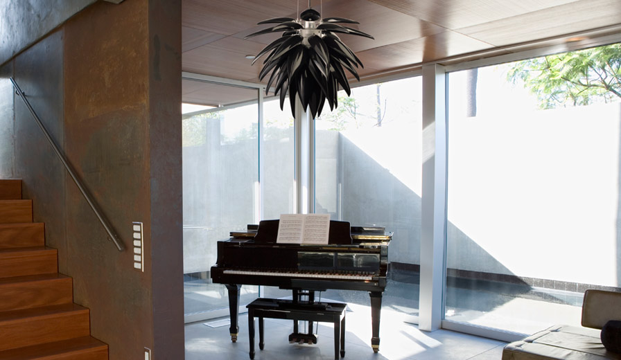 Blossom-Noir-Piano.jpg