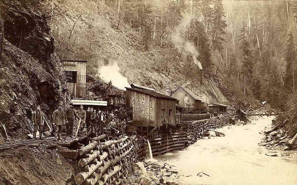 Carbon Hill Coal Company mine on the Carbon River, 1891