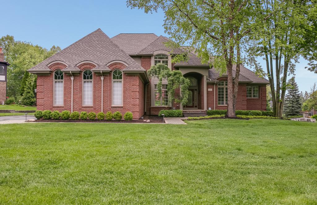 1754 Fox Run, Rochester Hills - $549,000