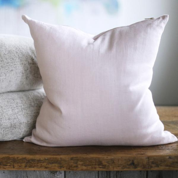 The Dovey Pillow
