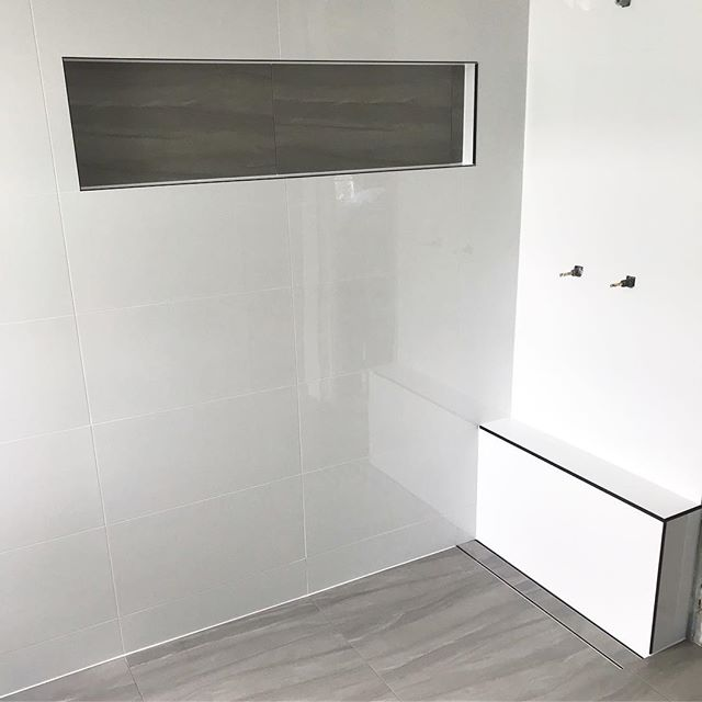 Stunning bathroom completed this afternoon! Custom built niche and ledge to suit tile heights 👌  #truevisiontiling #vision #tiling #lauxusgrates #renovation #instawork #work #business #energy #construction #project  #GoldCoast #instart #productivity #smallbusiness #makeithappen #businessowner  #craft #satisfying #perfection #quality #home #beforeandafter #visionboard #moodboard #bathroom #bathroomdesign #instadaily #instalike
