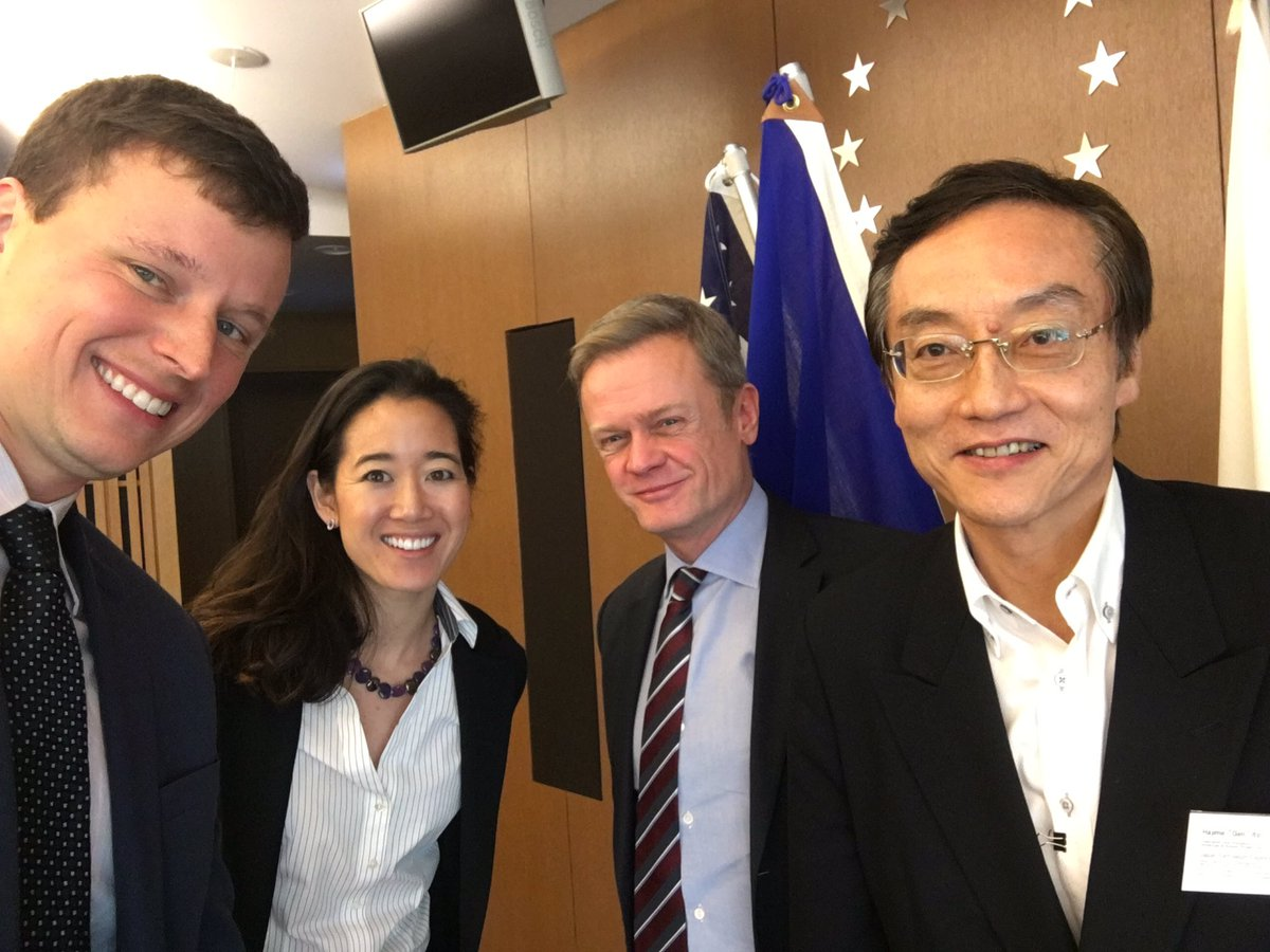 From left to right: Joshua Walker (Head of Global Strategic Initiatives in the Office of the President, Eurasia Group), Melanie Nakagawa (Head of Climate Initiative, Princeville Global), Ambassador Laurent Pic (French Ambassador to Japan), Nobuo Tanaka (Chairman, Sasakawa Peace Foundation)