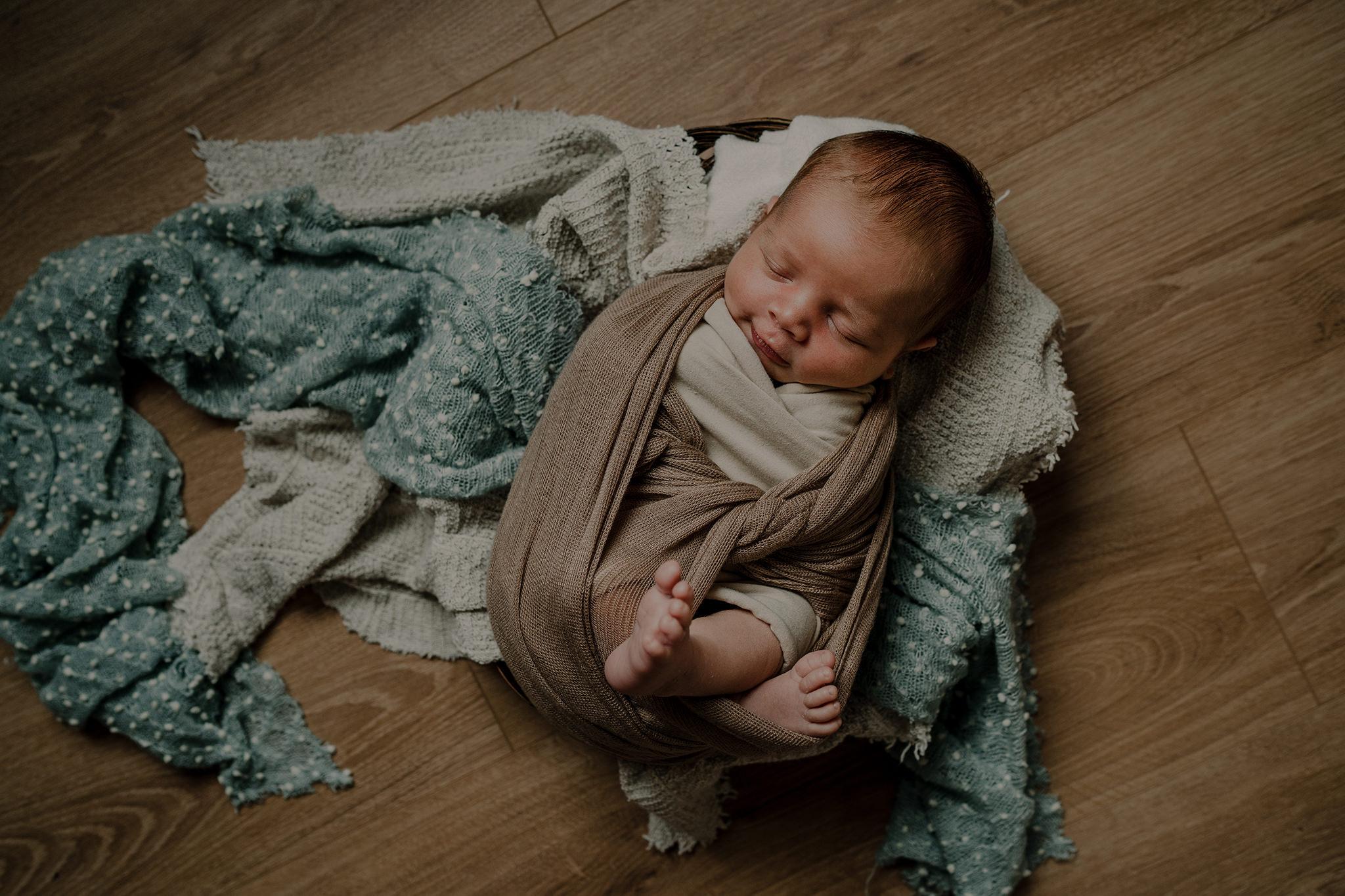 louis-newborn-the-snug-sessions-25.jpg