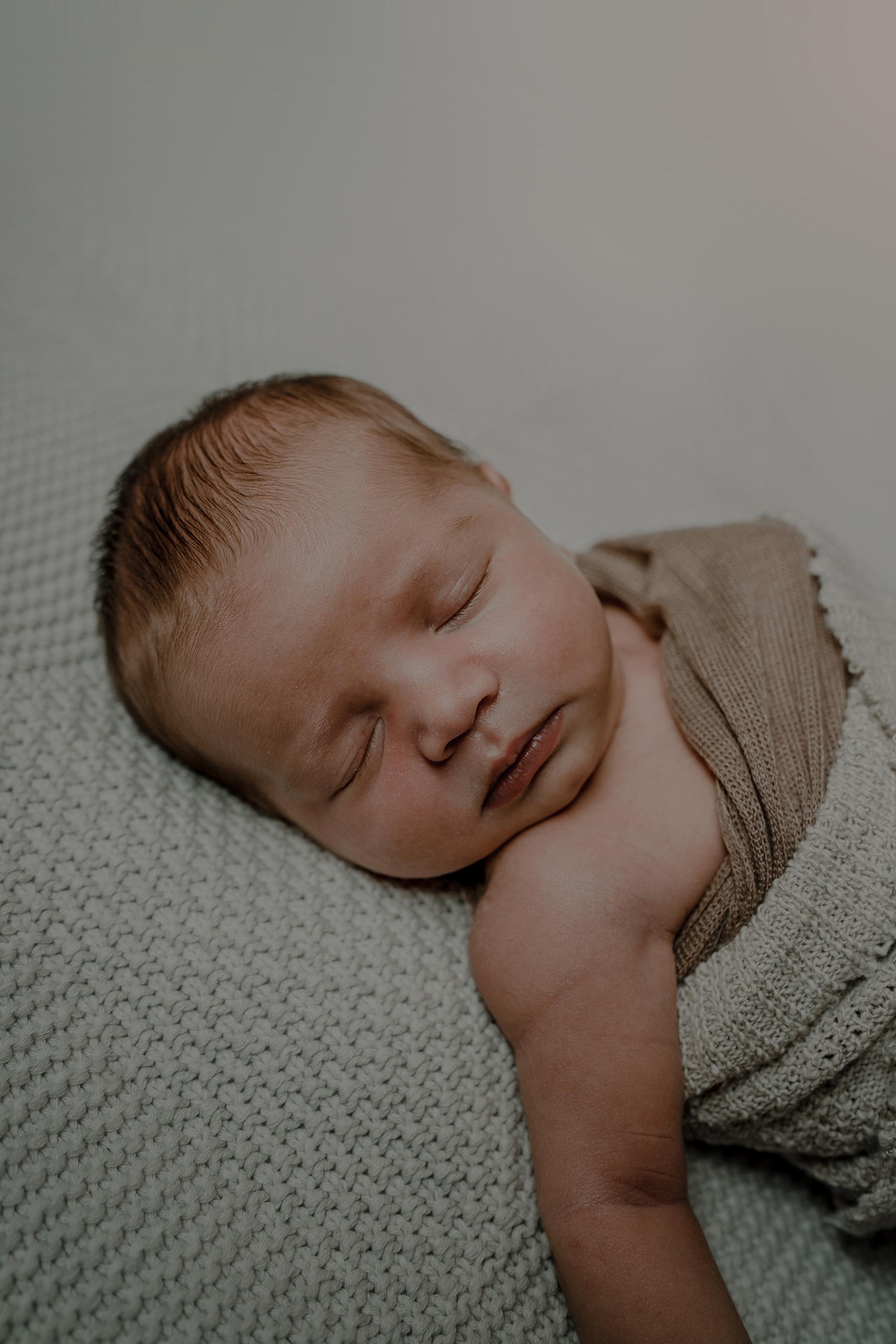 louis-newborn-the-snug-sessions-165.jpg