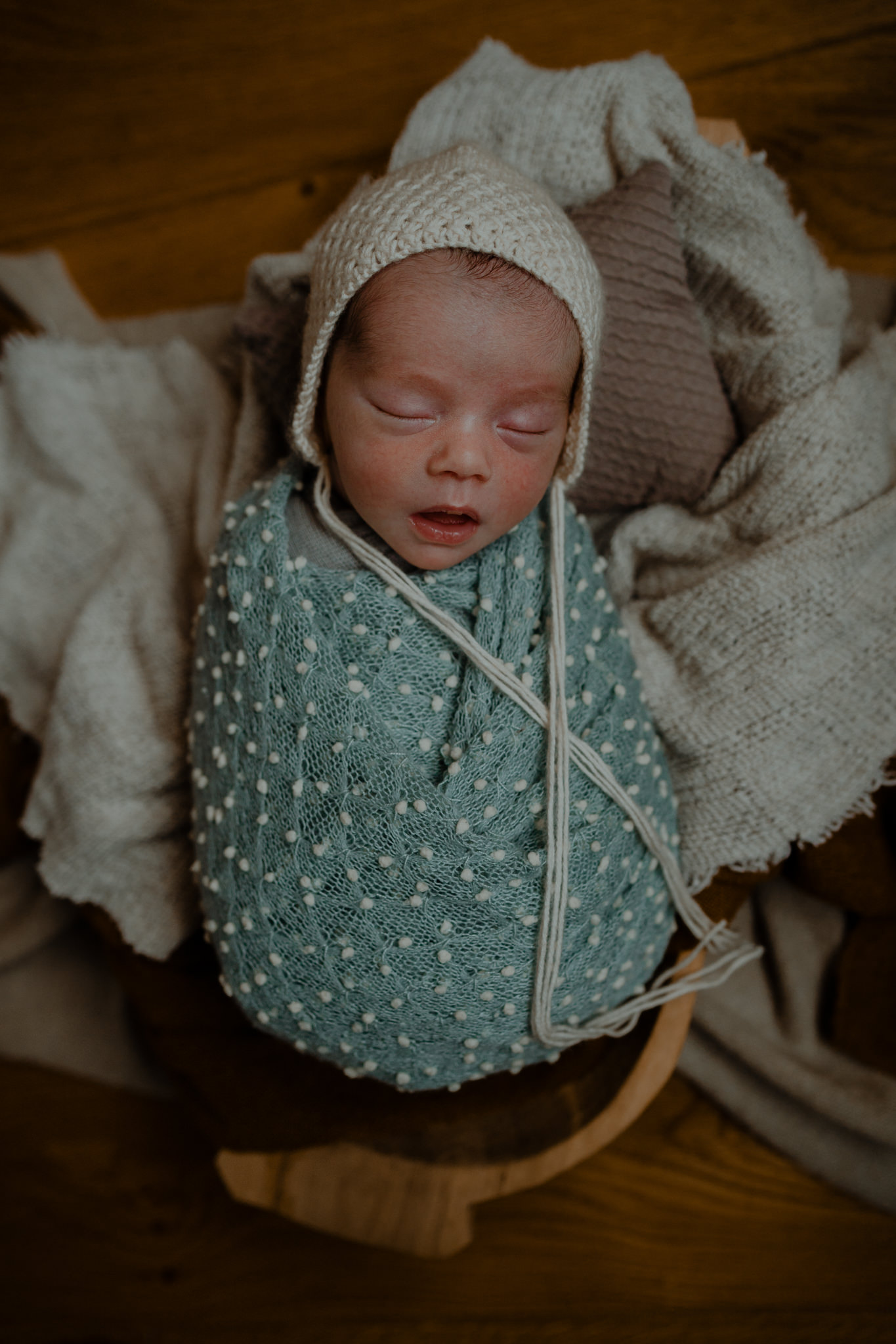 newborn-photographer-belfast-twins-Ben+Cam-4.jpg
