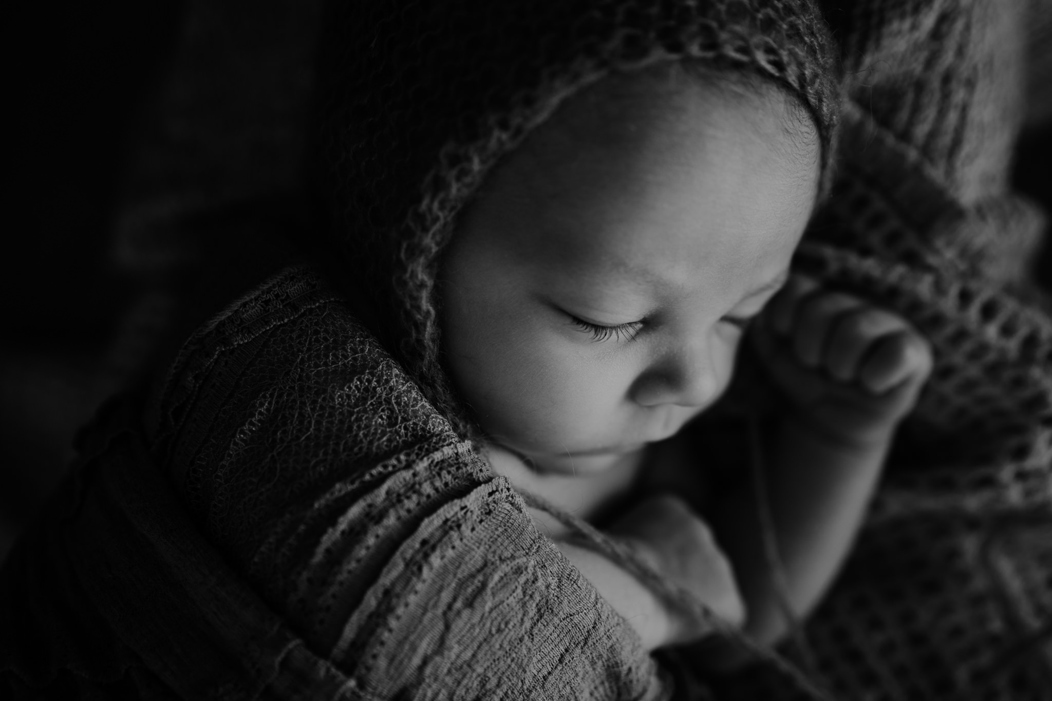 newborn-girl-bonnet-photography-ni