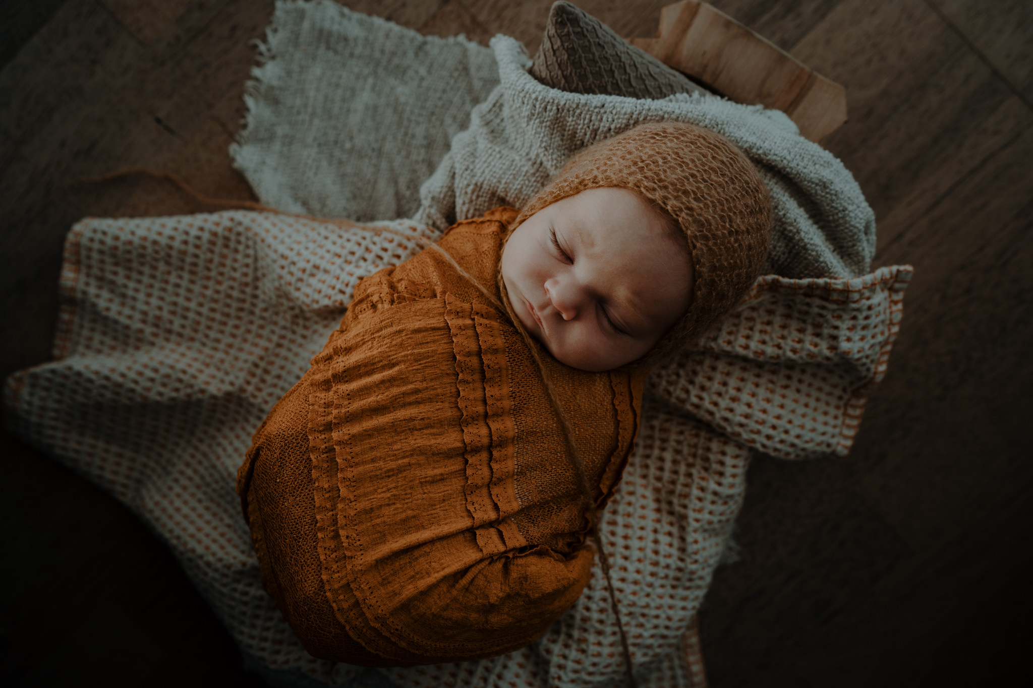 The-snug-sessions-NI-Newborn-Photographer-belfast-A-12.jpg