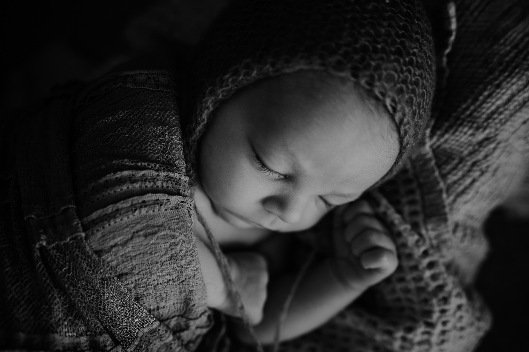 The-snug-sessions-NI-Newborn-Photographer-belfast-A-39.jpg