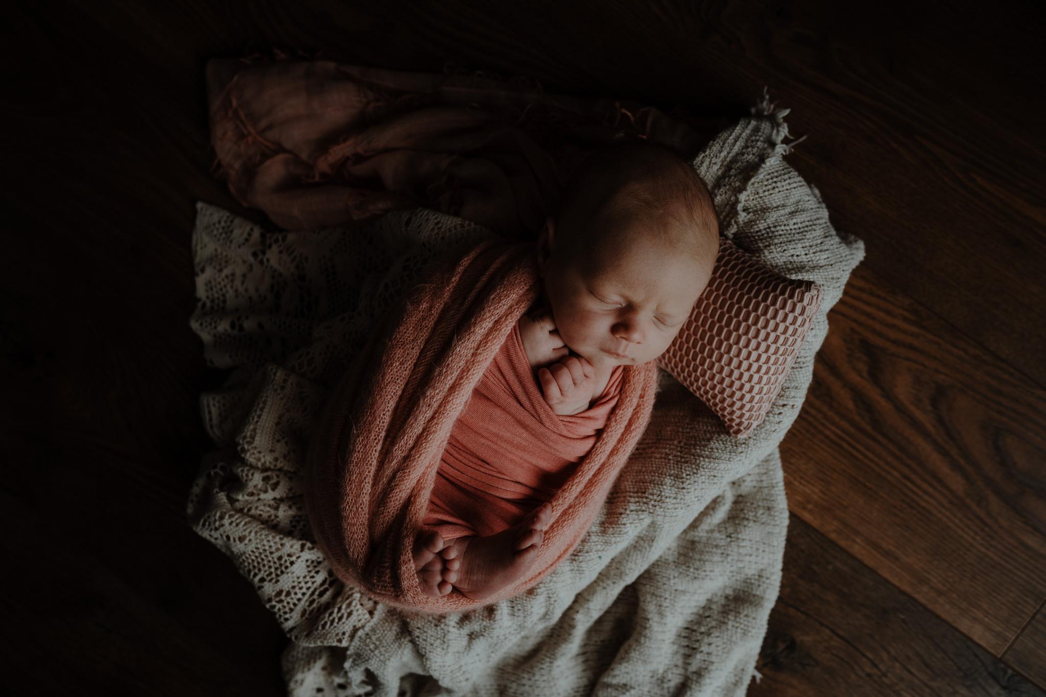newborn-photographer-belfast-the-snug-sessions-Nora-38.jpg