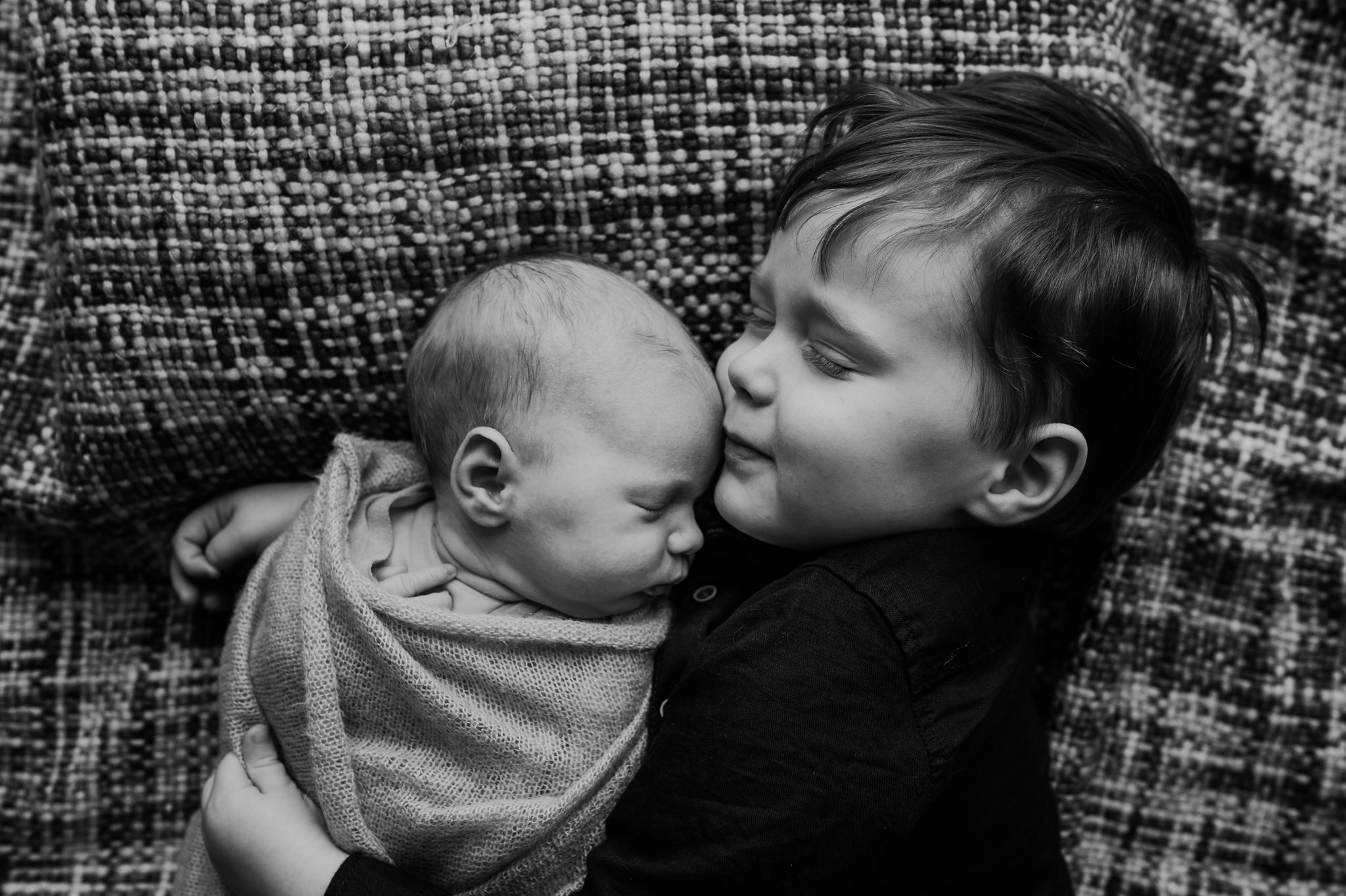 newborn-photographer-belfast-the-snug-sessions-Nora-24.jpg