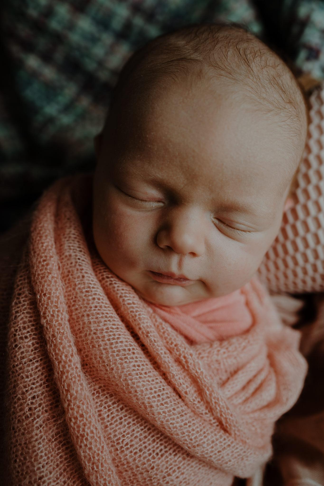 newborn-photographer-belfast-the-snug-sessions-Nora-12.jpg