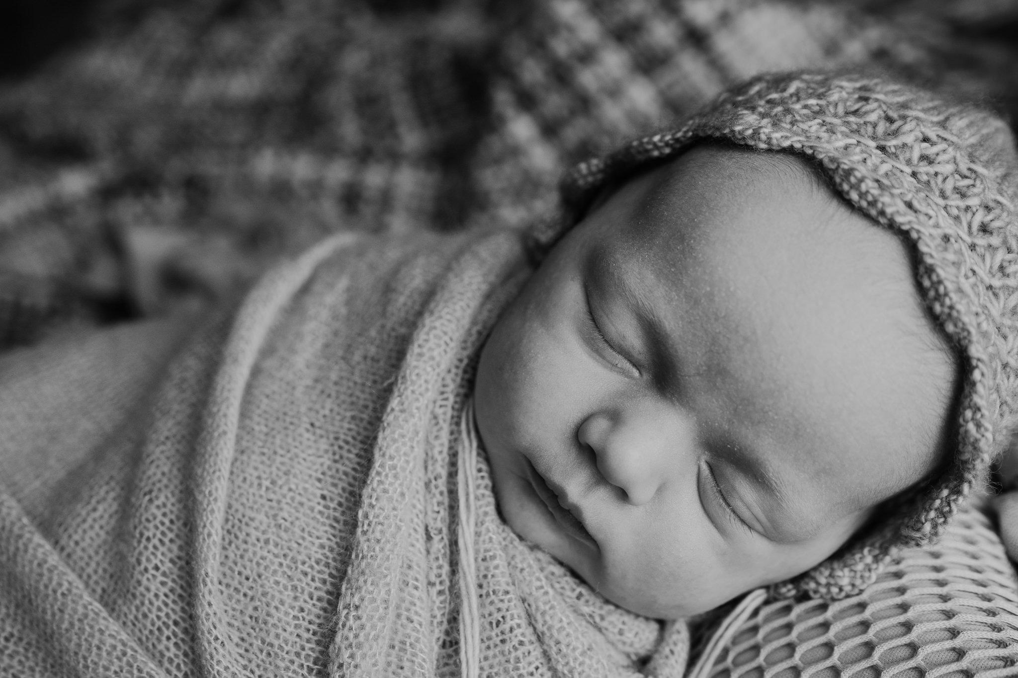 newborn-photographer-belfast-the-snug-sessions-Nora-6.jpg