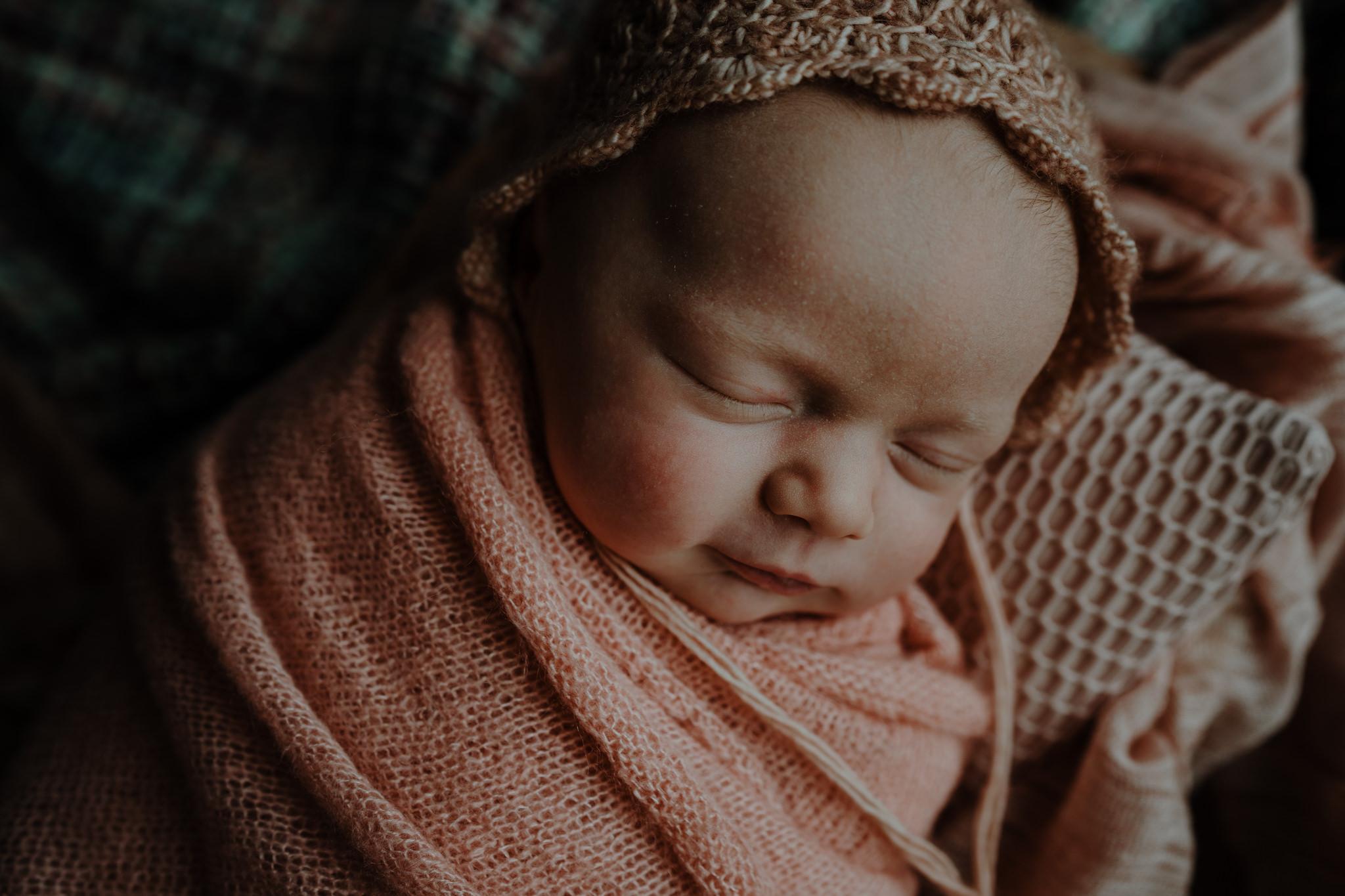 newborn-photographer-belfast-the-snug-sessions-Nora-5.jpg