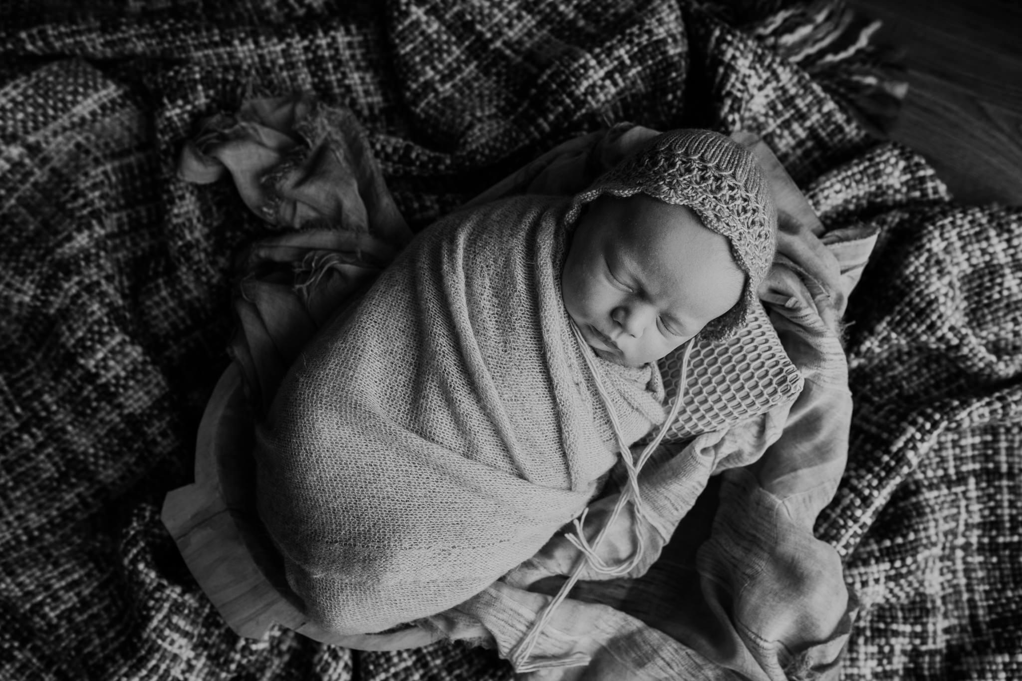 newborn-photographer-belfast-the-snug-sessions-Nora-4.jpg
