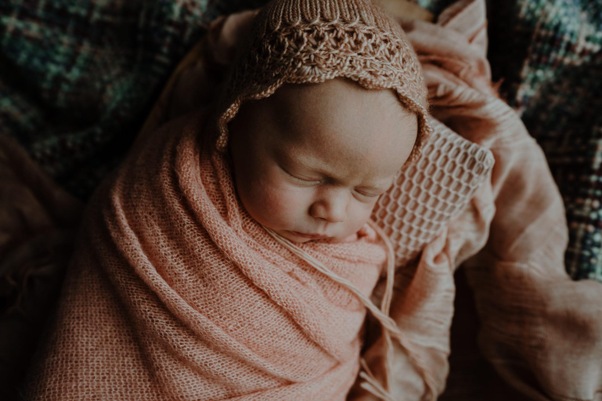 newborn-photographer-belfast-the-snug-sessions-Nora-2.jpg