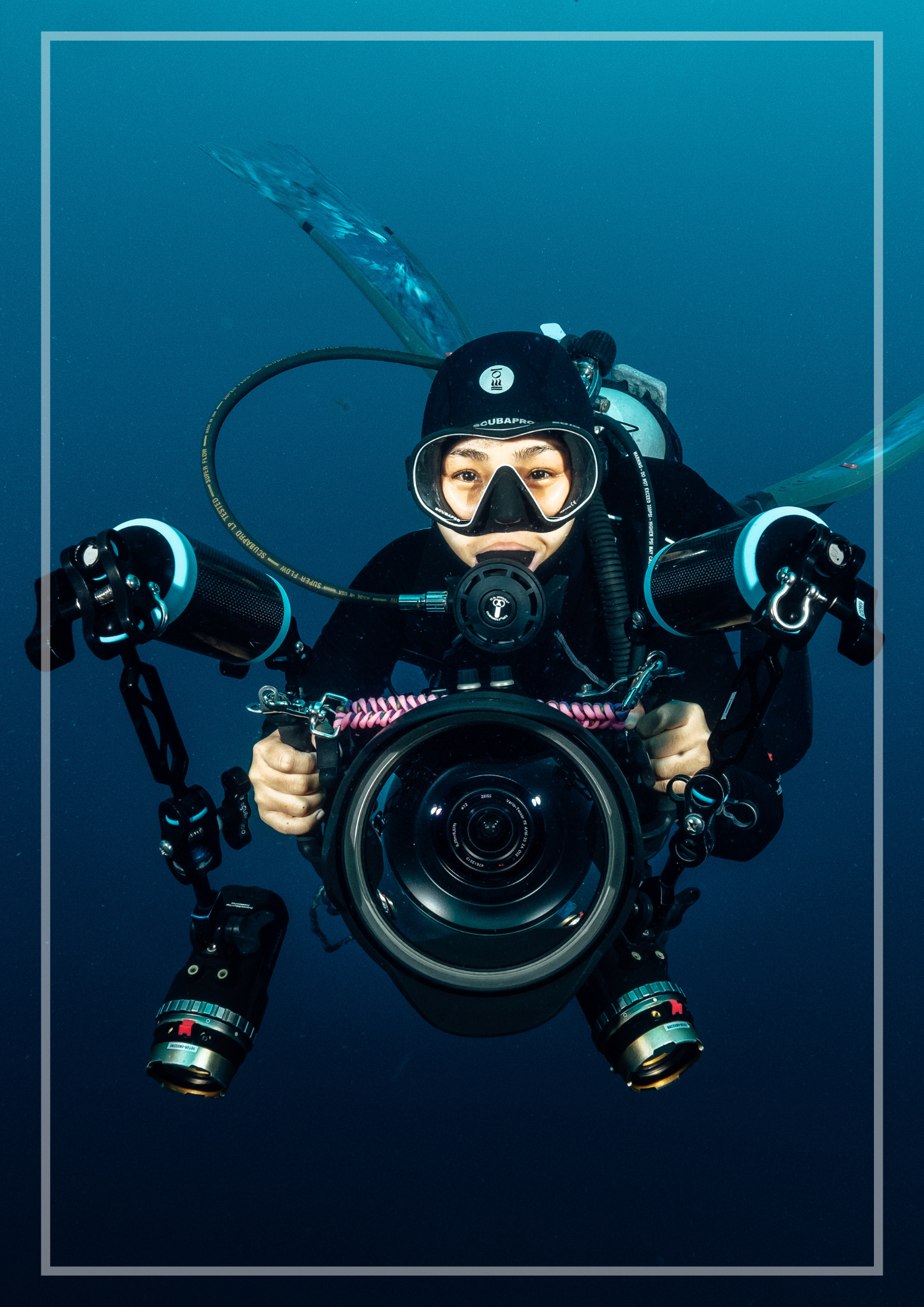 Eka Gomez underwater filmmaker