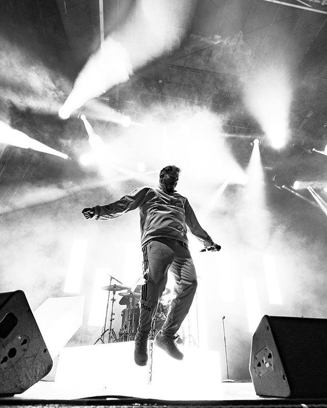 @norliekkv levererade igår💯 • • • • #contentagency #contentproduction #productioncompany #contentbyrå #fotograf #sonya7iii #concertphotography #samyang14mm #norliekkv #liveperformance #nordicphotos #sonynordic #music #concert #live #concertphotographer