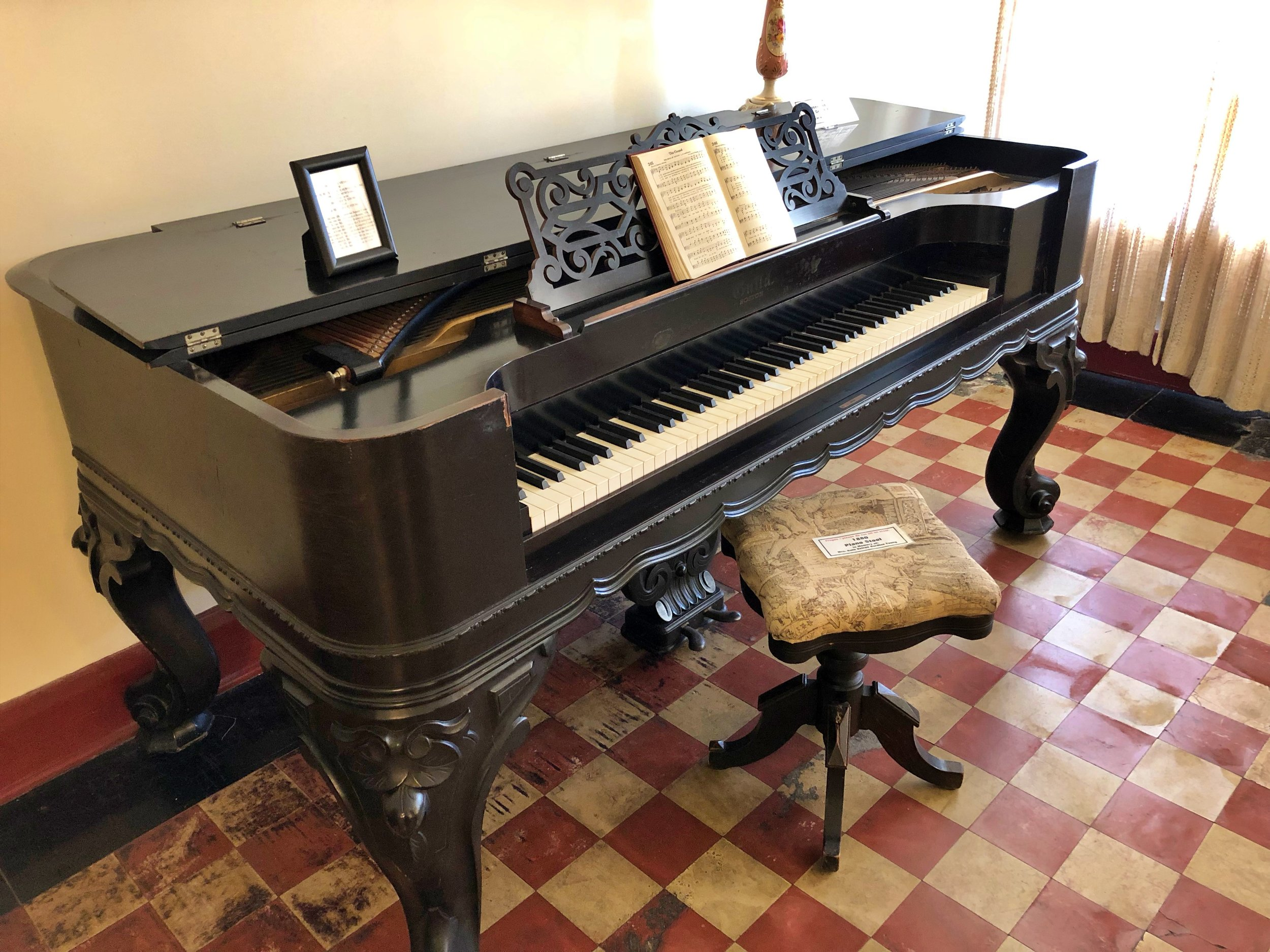 1880 Rosewood Square Grand Piano