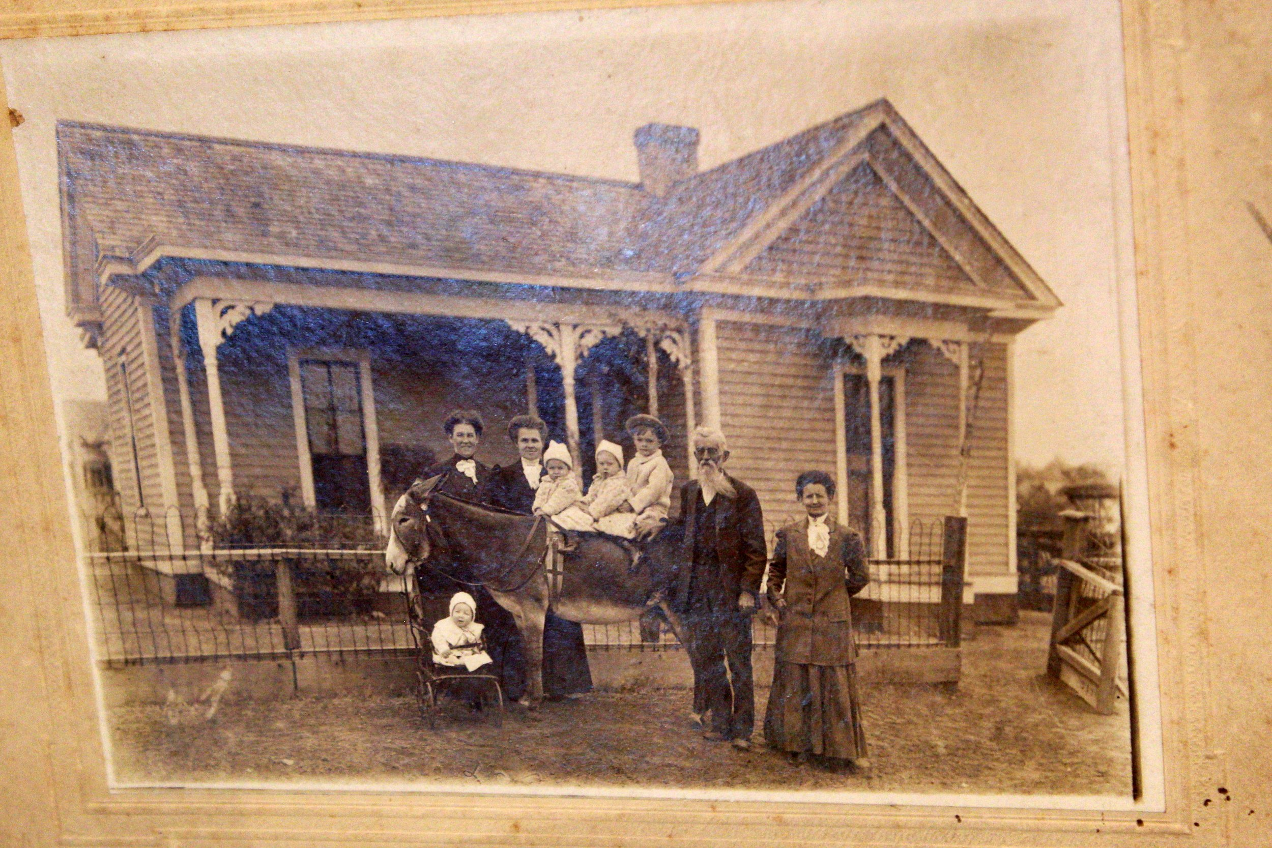 Photo made in 1905, 3 years after the house was built
