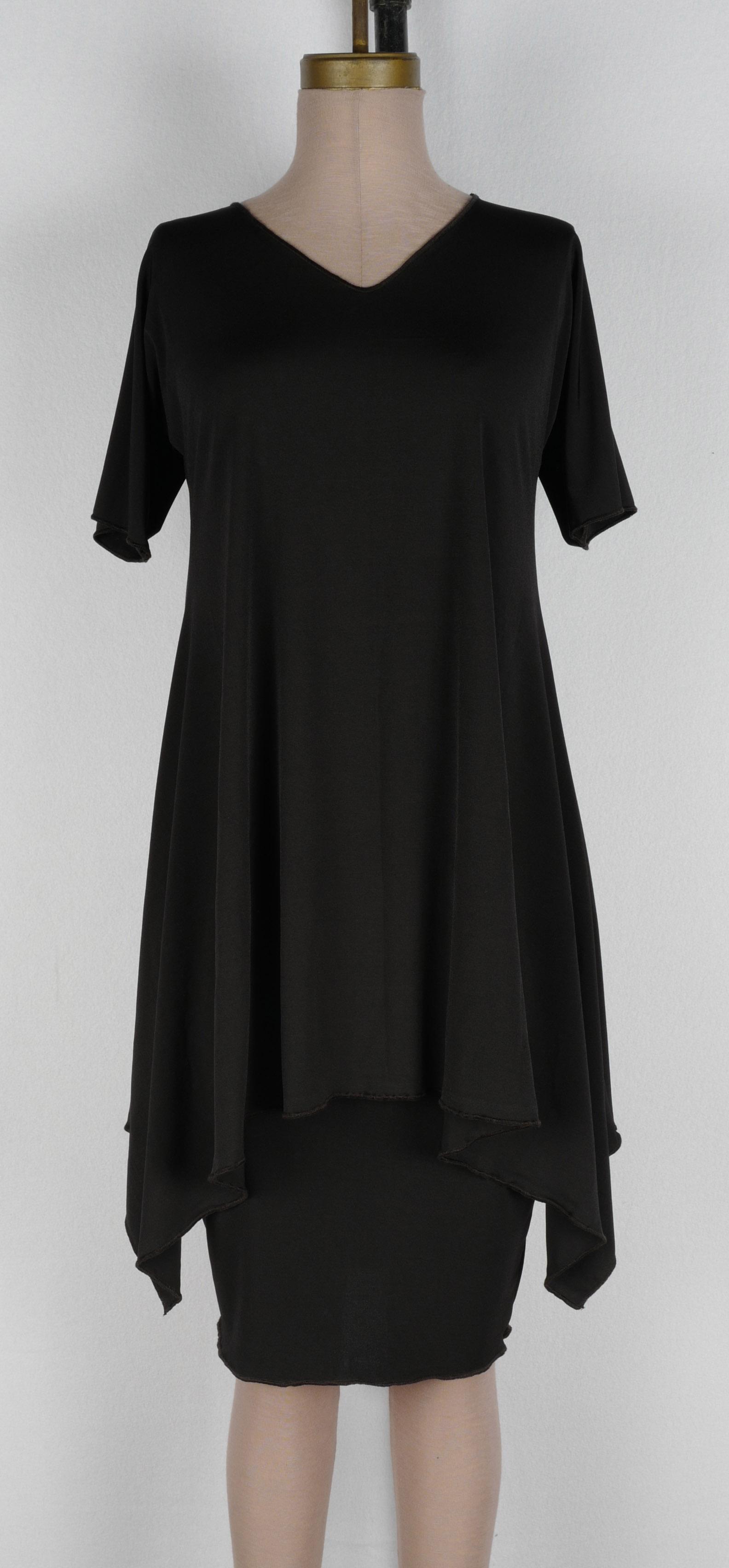 Short Sleeved V Arch Tunic $125 • S M L XL