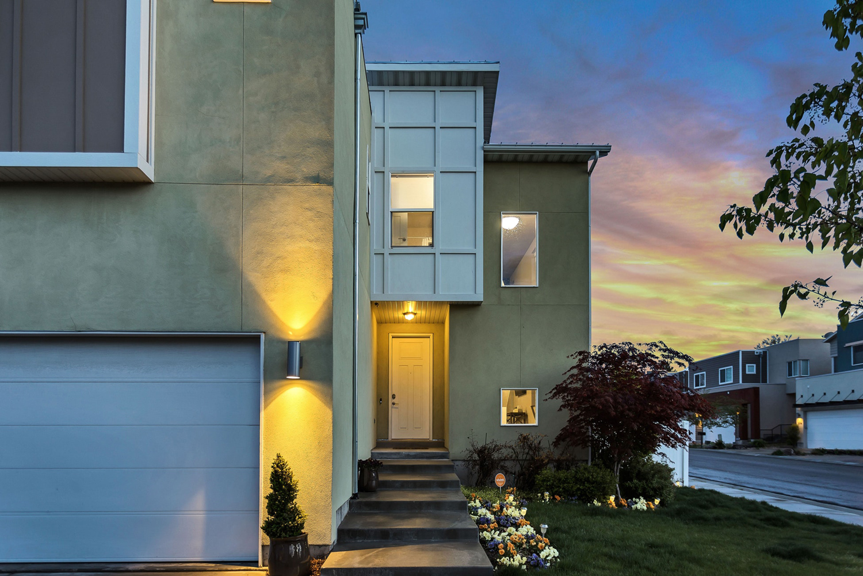 2 Beds, 2 Baths, 1050 Square Feet • 2550 Keystone Ave, Reno, NV 89503
