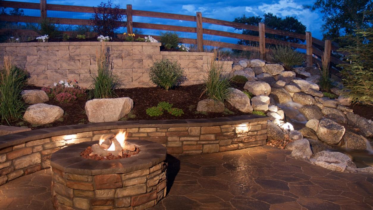 Beautiful-Backyard-Fire-Pit-and-Seat-Wall-124000682_1255x837.jpg