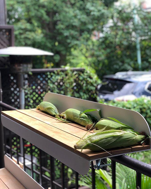 Enfin la saison du 🌽 3 x 1 maïs pour référence 😜 • • • #balcony #shopmtl #mtlshop  #localproducts #localbusiness  #rosepatrie #mtlmoments #madeinqc #madeinmtl