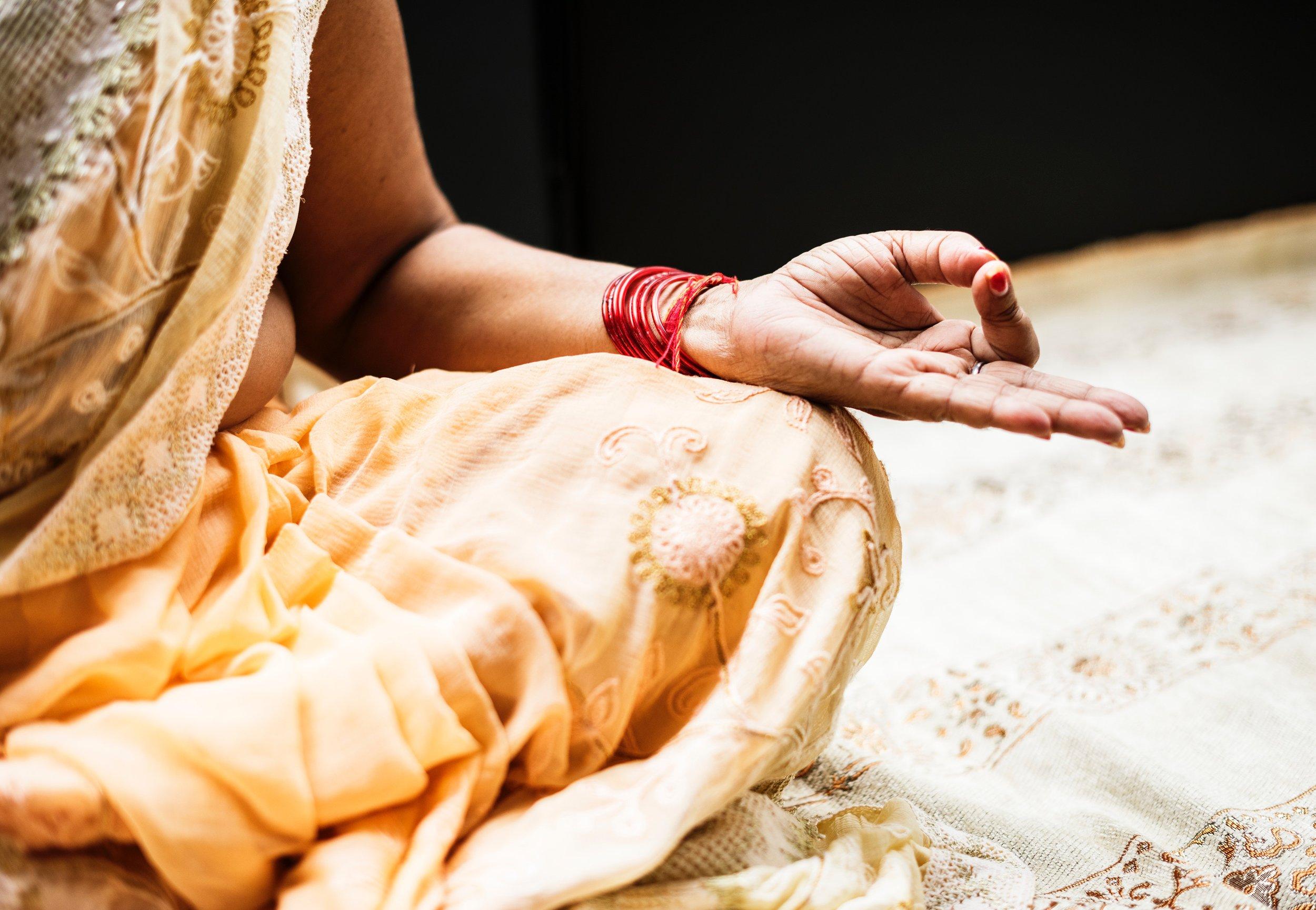 hand-hindu-india-1321727.jpg