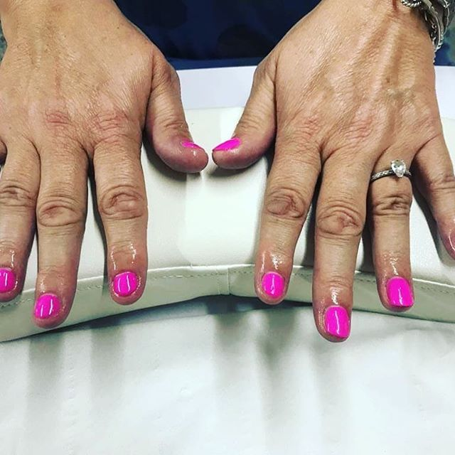 Treatment of the month just £20 Choose gel polish hands & feet or  Lash Lift & Tint Book now appointments filling up fast!  Patch test required 48hrs before. #lashlift #lashes #premiergel #nails #beauty