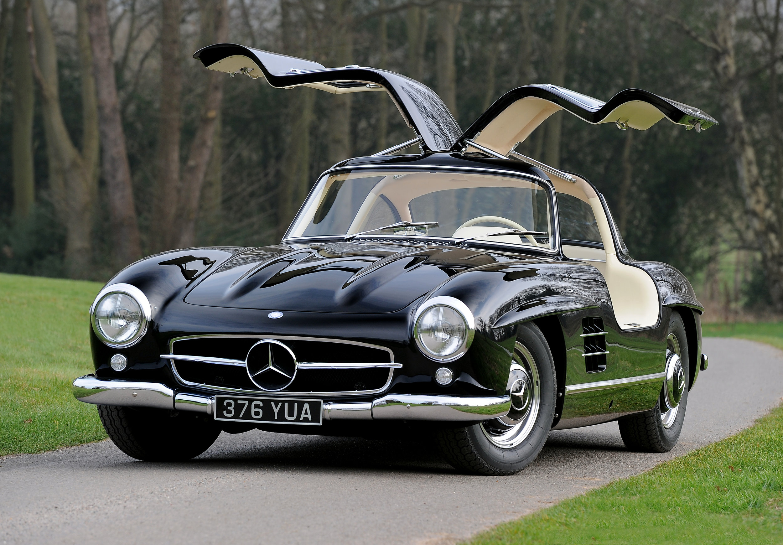 Mercedes 300SL Gullwing - Full ground-up restoration to Concours Winning standard     Learn More