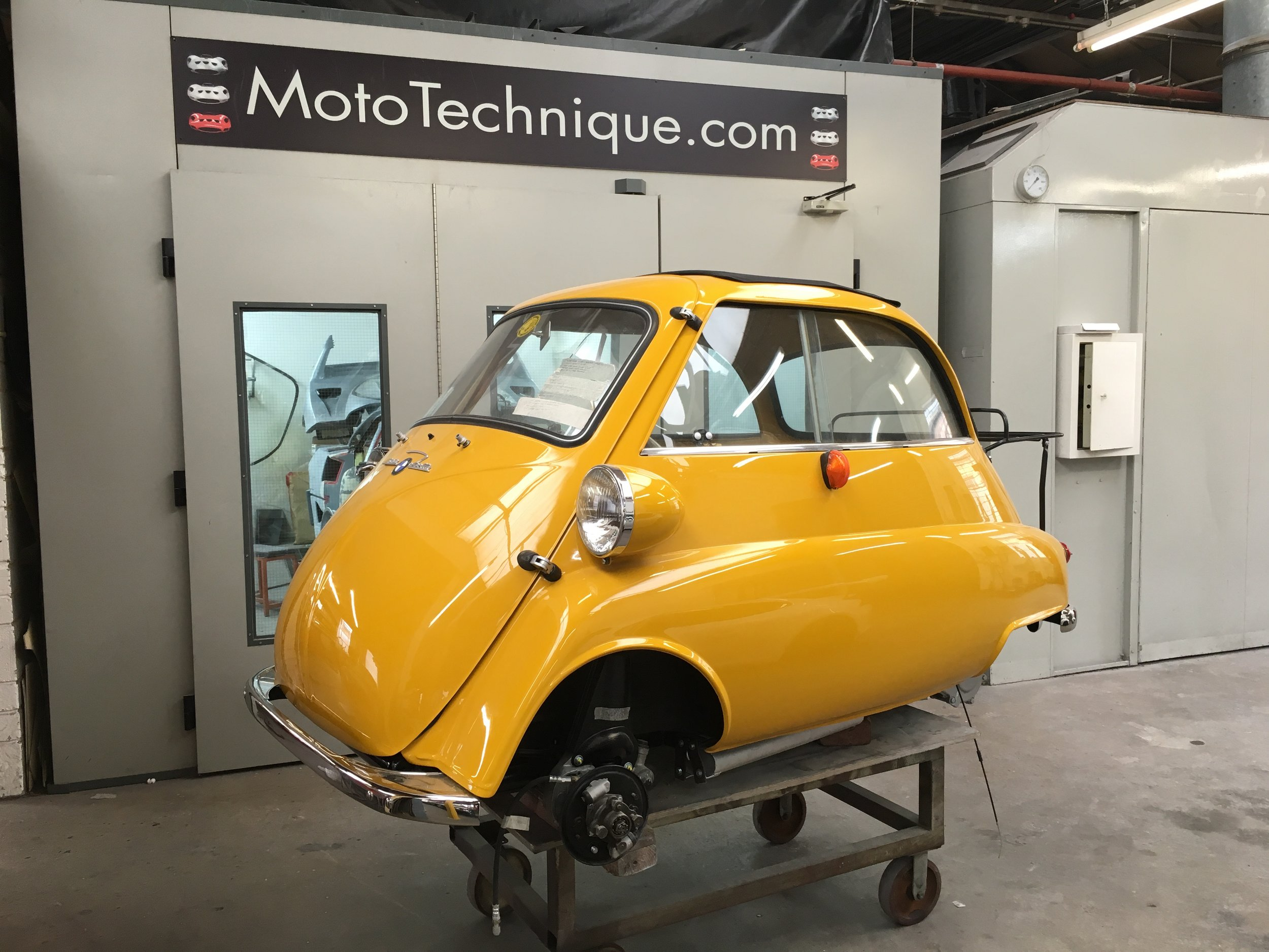 BMW Isetta 300 or Ferrari 250 GTO, they all receive the same care and attention at Moto Technique.