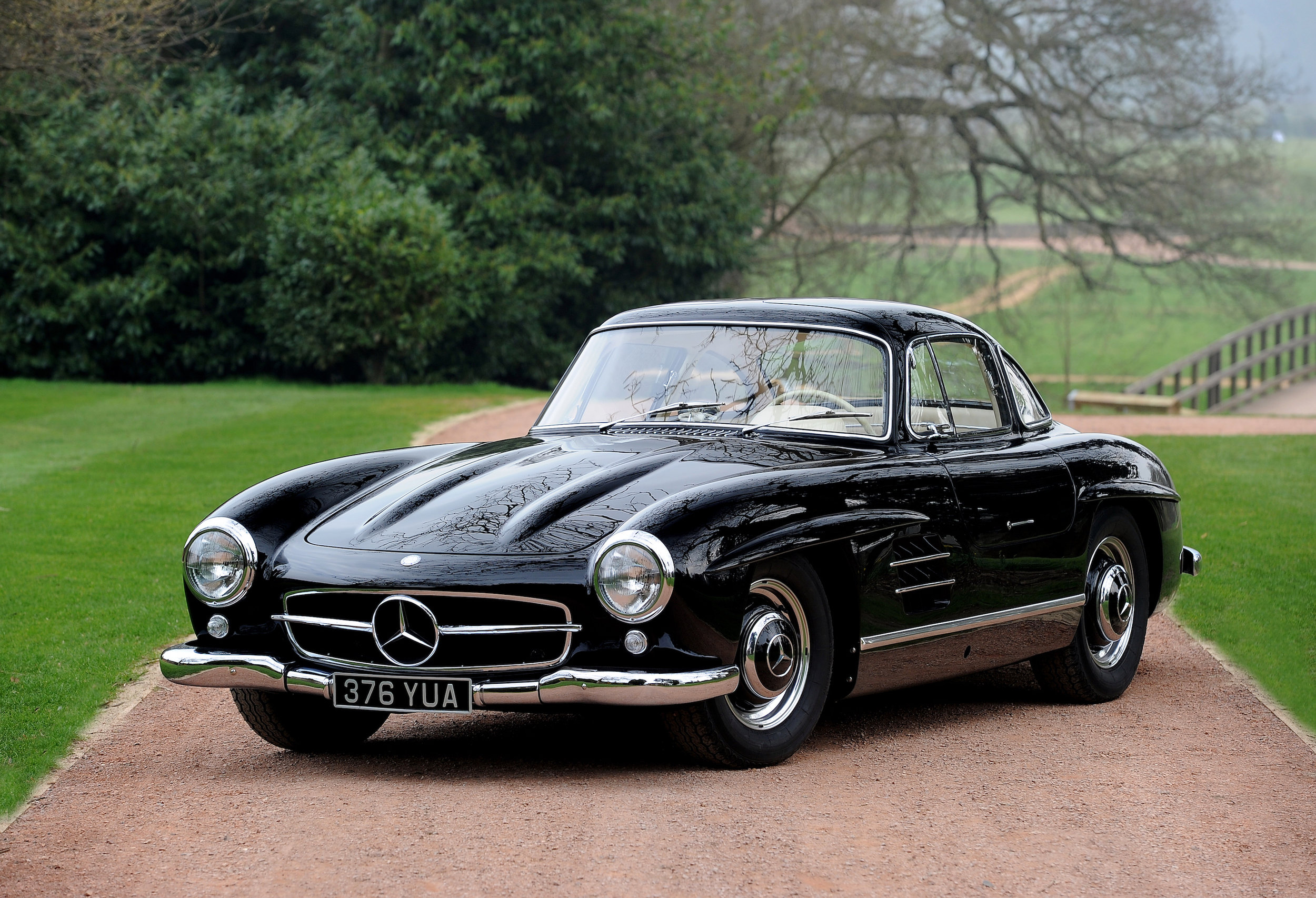03 Mercedes 300SL Gullwing Three Quarte Front.JPG