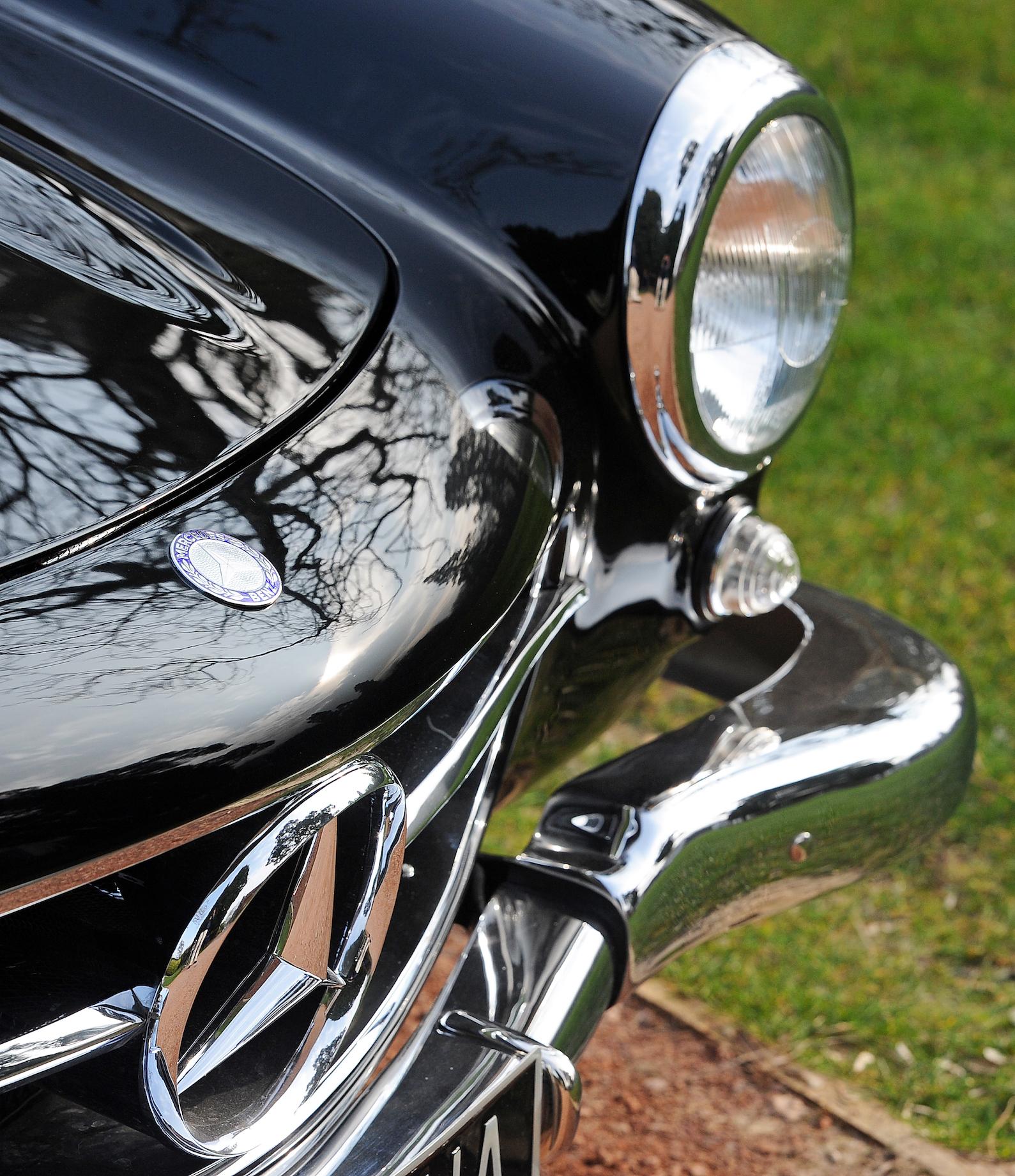 11 Merc 300SL Grille Bumper light.JPG