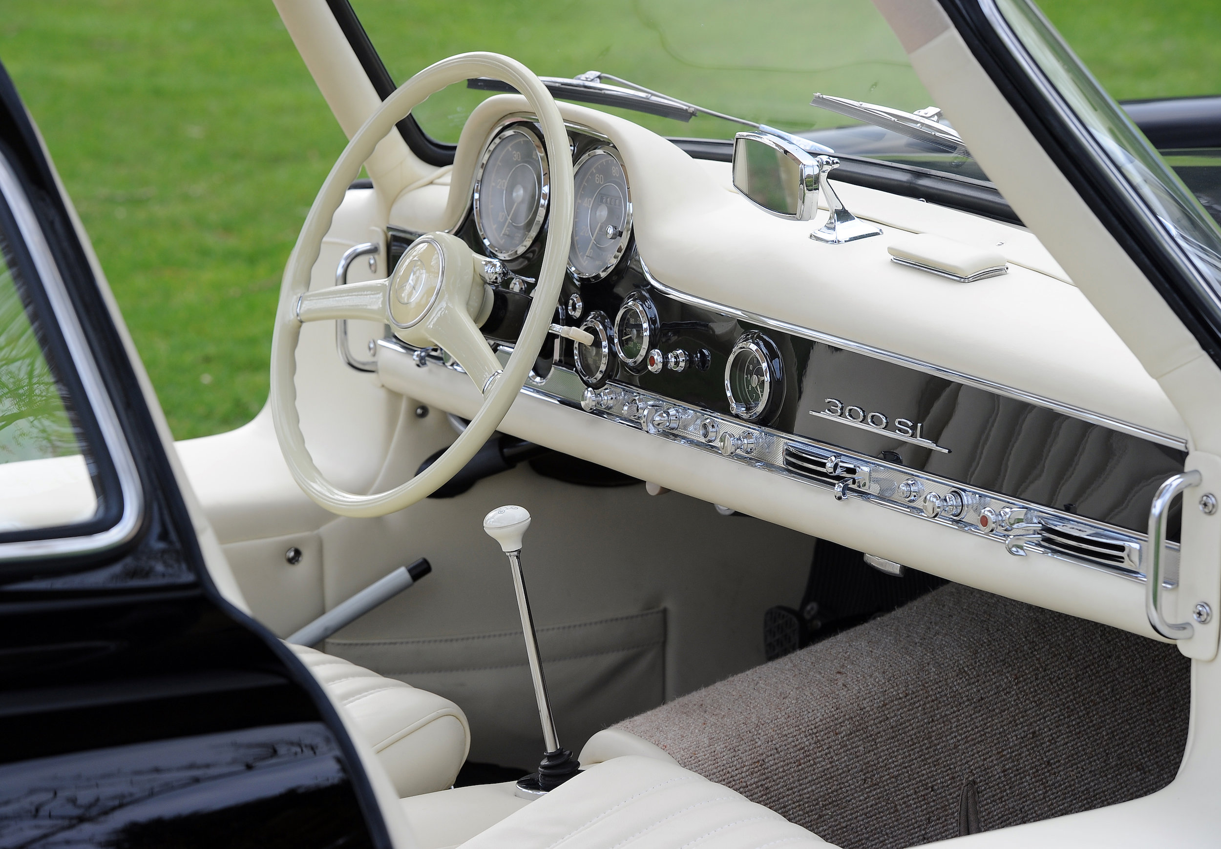 12 Merc 300SL Interior from Passenger.JPG