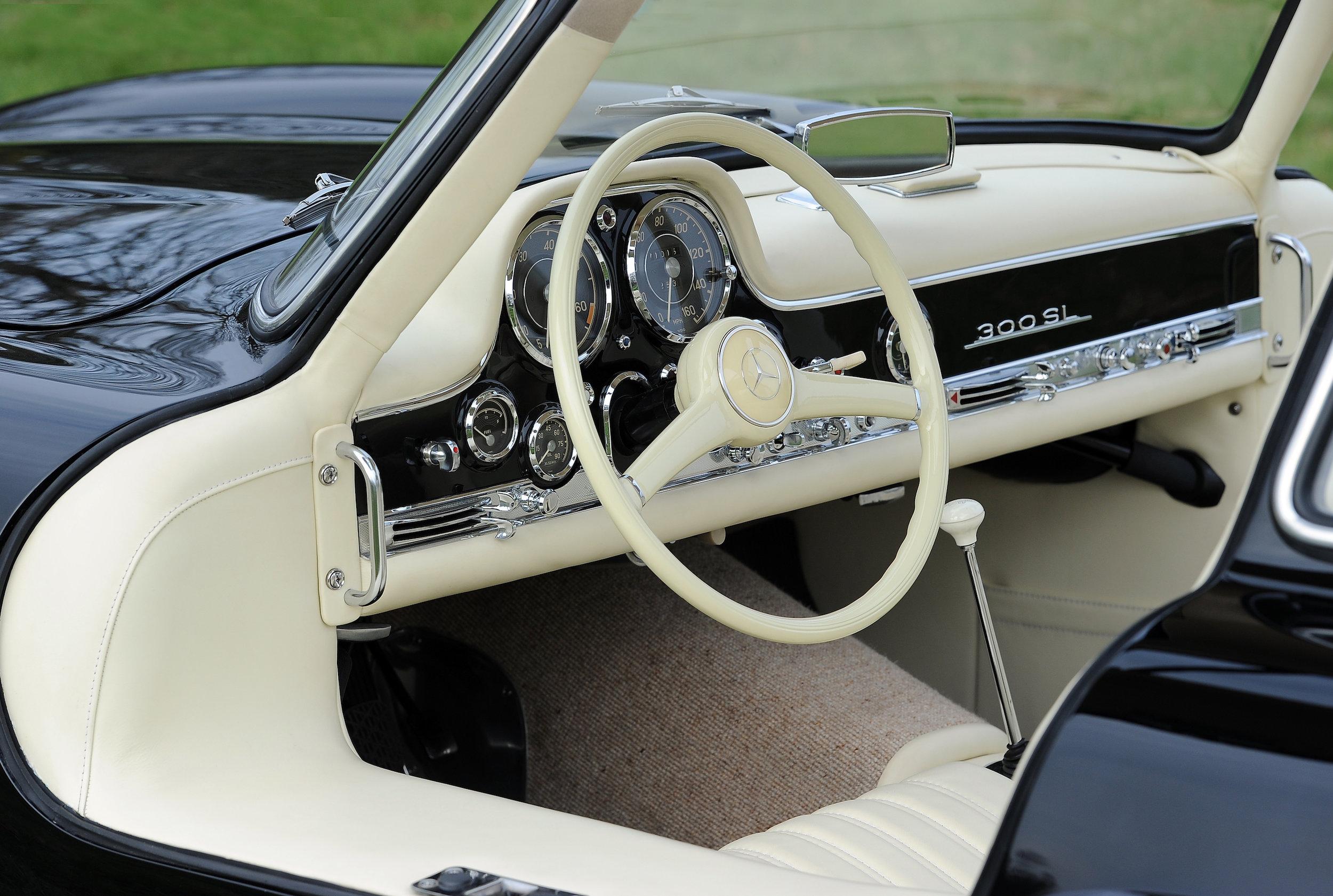 23 Merc 300SL Interior from Drivers Door.JPG