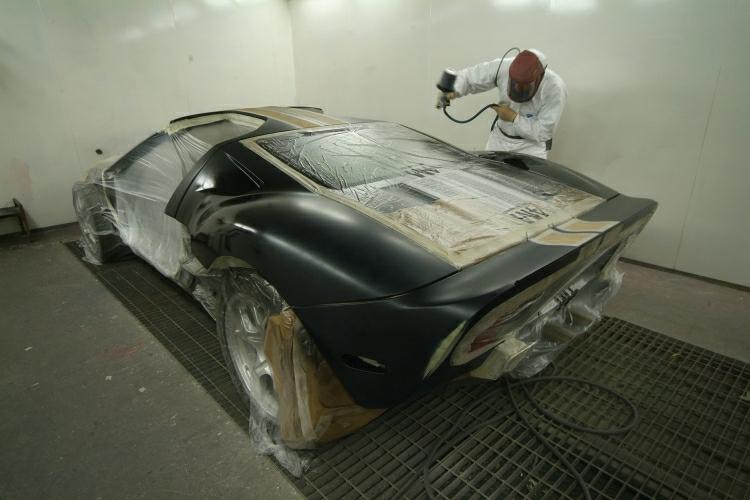 37Ferrari paint work.JPG