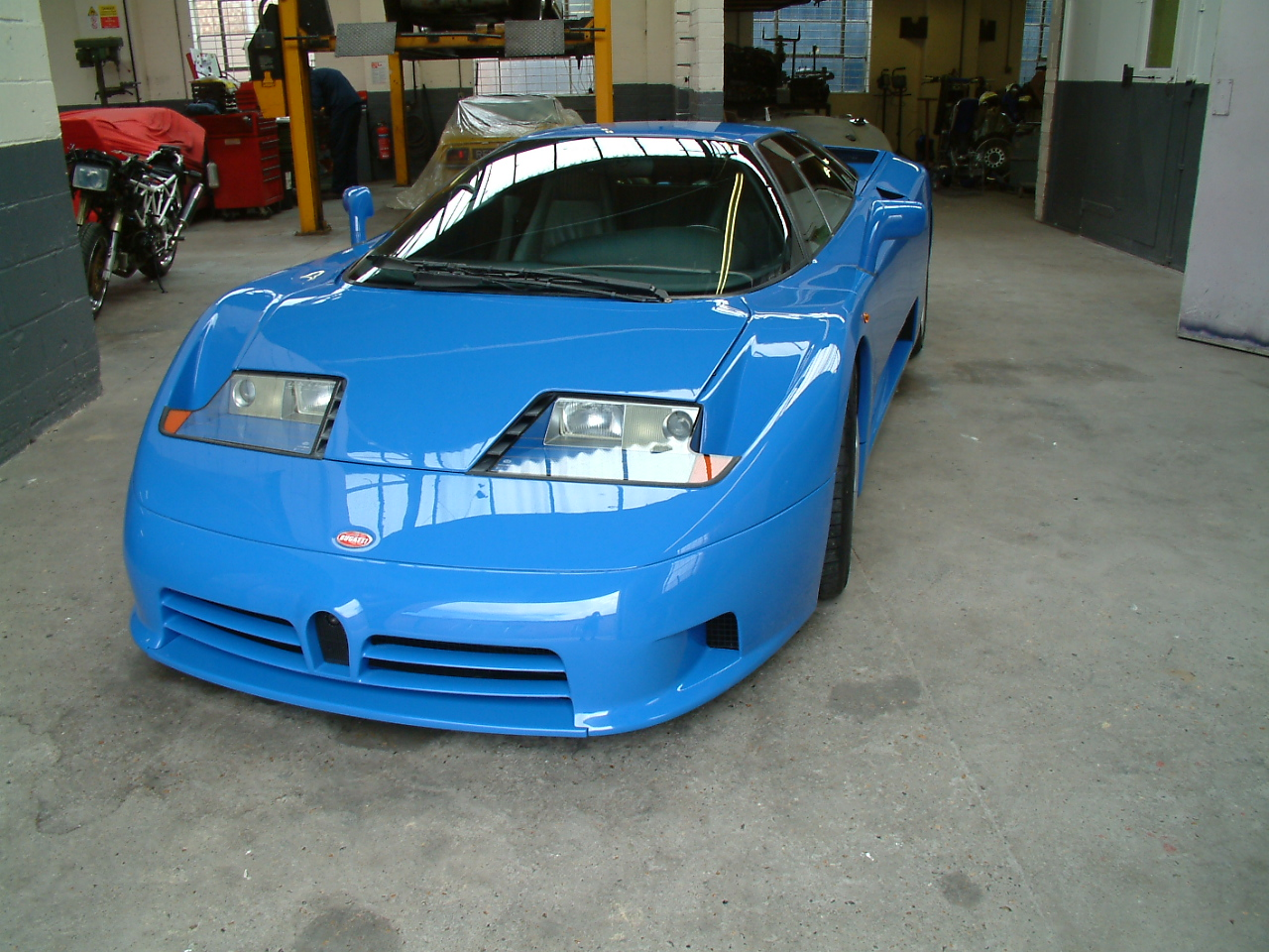 Bugatti EB110 Repainted, refitted, detailed and awaiting collection