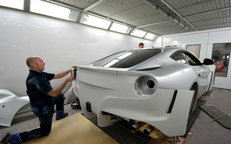 6 Ferrari F12 6.jpg