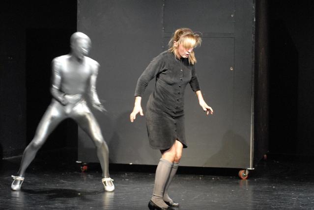 Luc-Mueller-theater-mama-bumba-tango-2.jpg