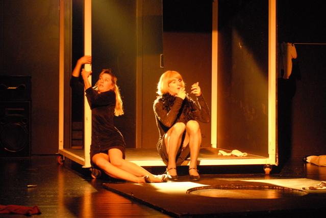 Luc-Mueller-theater-mama-bumba-tango-3.jpg