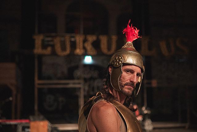 Luc-Mueller-theater-Lukullus_Bern_by_Janosch_Abel0067__gold4.jpg