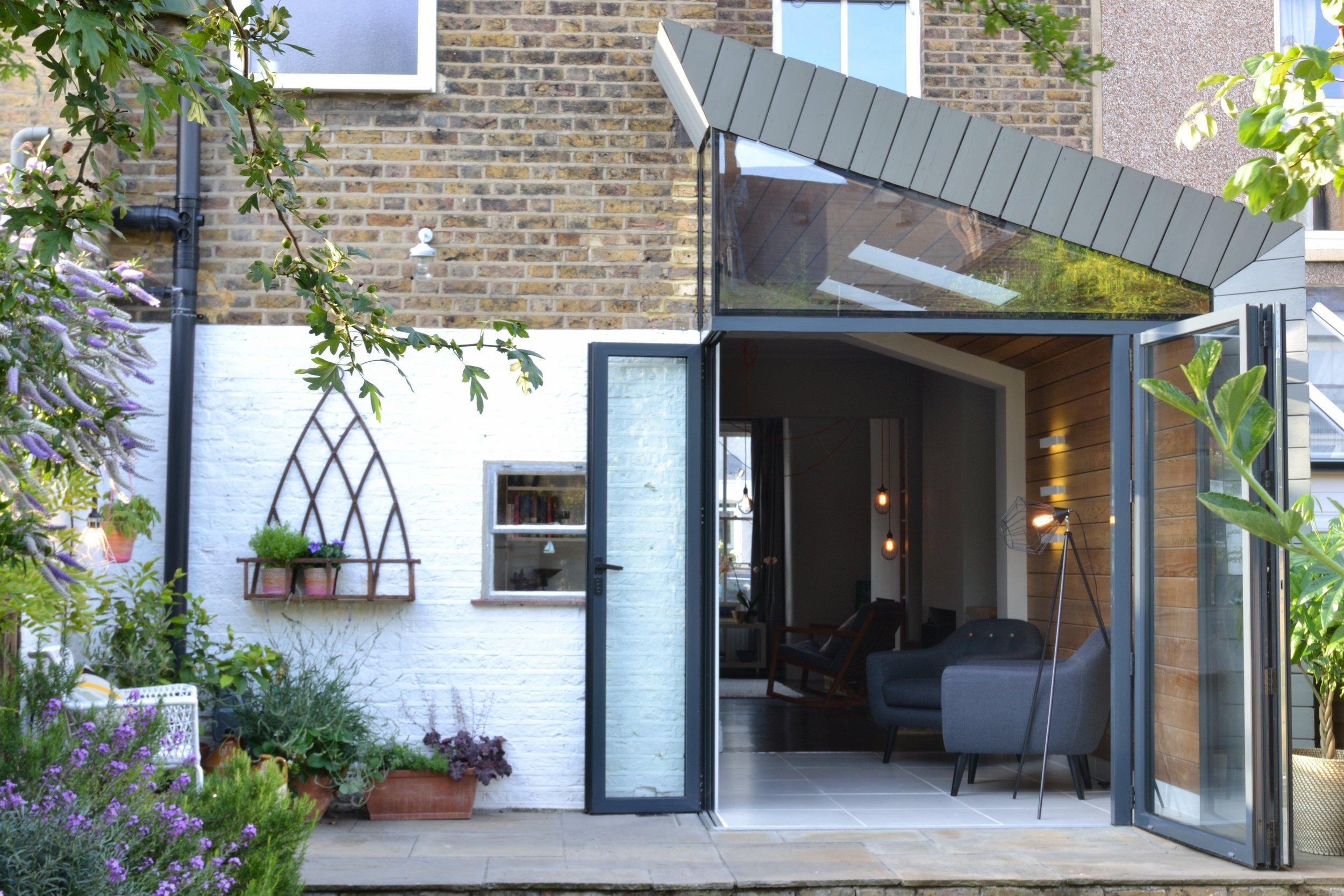 04-whatman-road-victorian-house-extension-architecture-oak-cladding-bi-fold-doors-south-east-london-uk-rider-stirland-architects.jpg