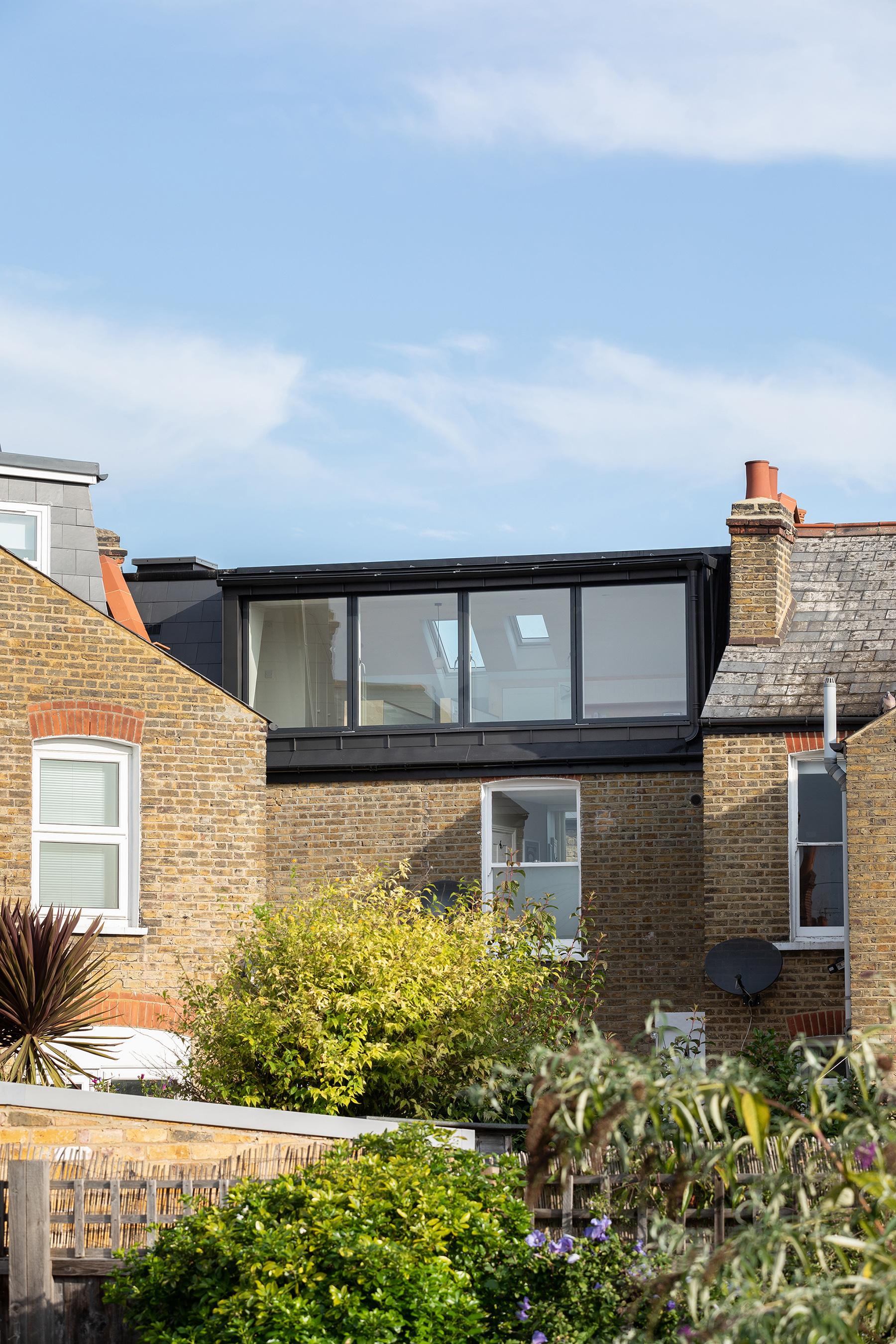 01-smeaton-road-victorian-house-roof-extension-loft-conversion-site-photo-architecture-wandsworth-south-london-uk-rider-stirland-architects-adam-scott.jpg