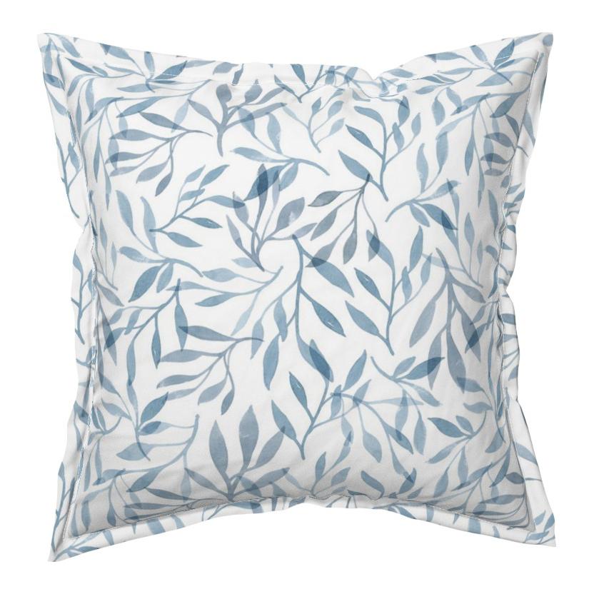 bljue floral pillow.jpg