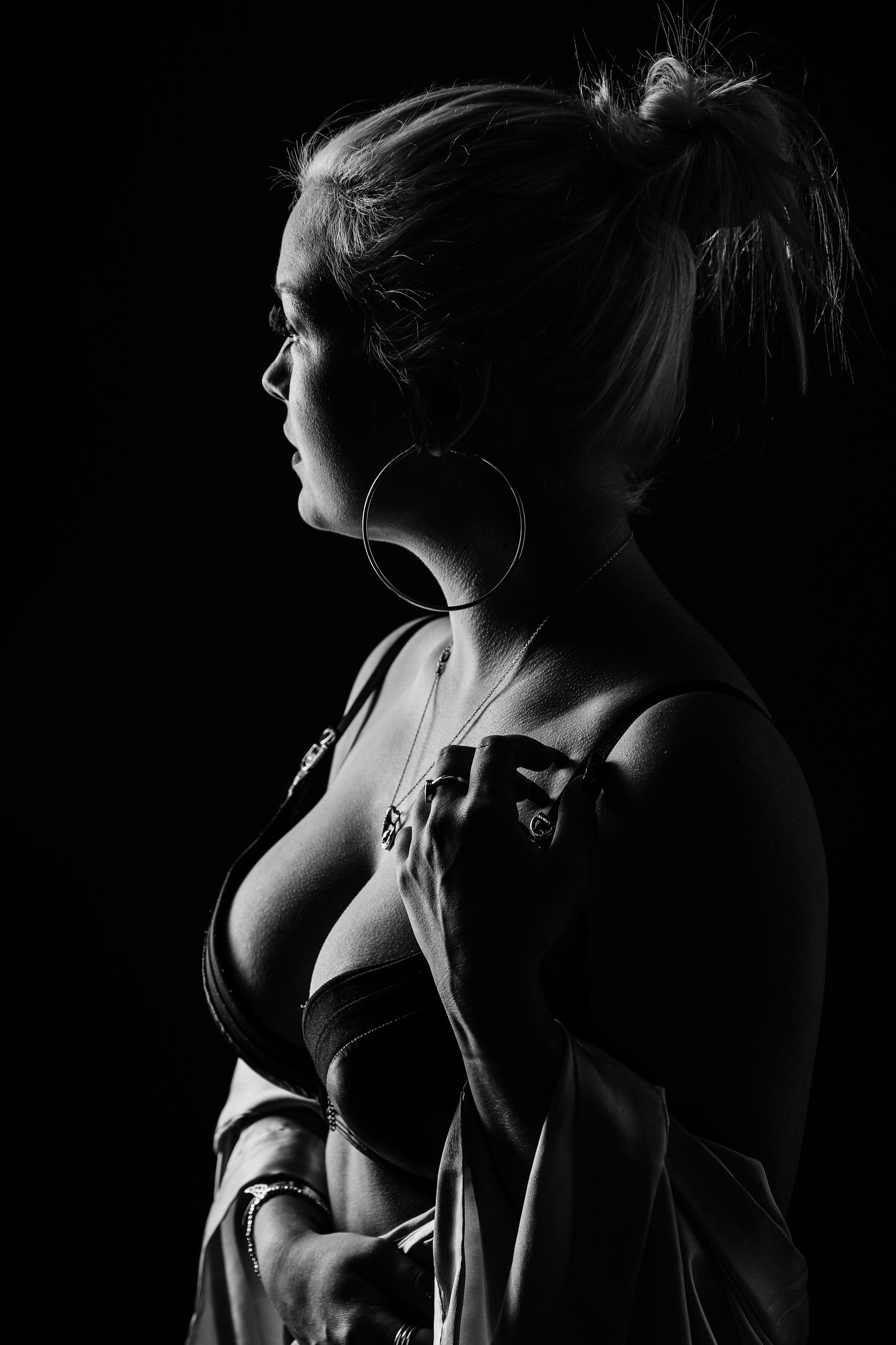 boudoir-photographer-grimsby-5.jpg